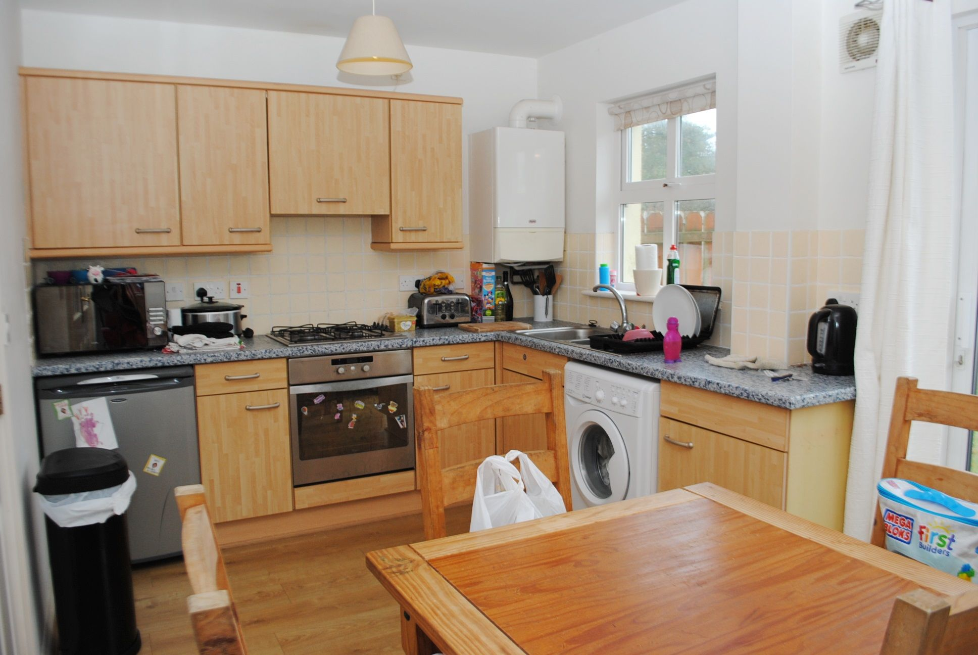 2 bedroom mid terraced house For Sale in Peel - Property photograph
