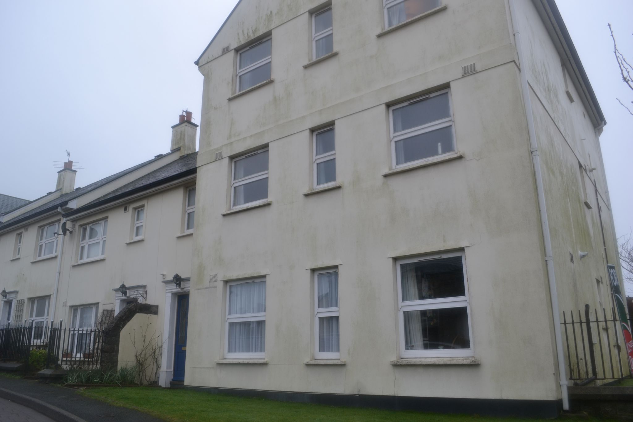 2 bedroom apartment flat/apartment To Let in Castletown - Photograph 1