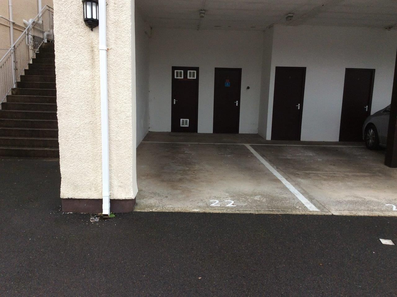 2 bedroom apartment flat/apartment To Let in Onchan - Property photograph