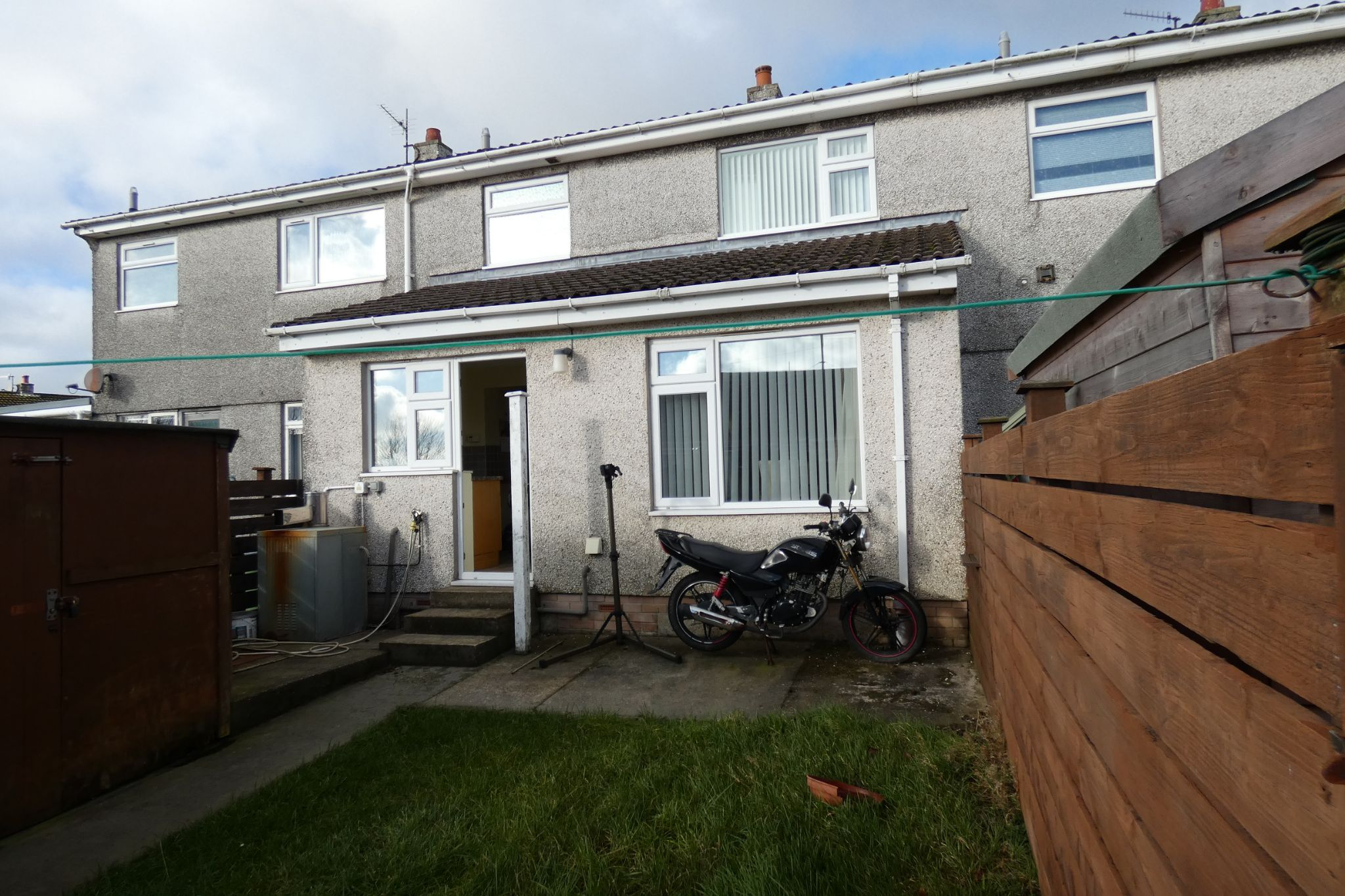 3 bedroom mid terraced house For Sale in Onchan - Property photograph