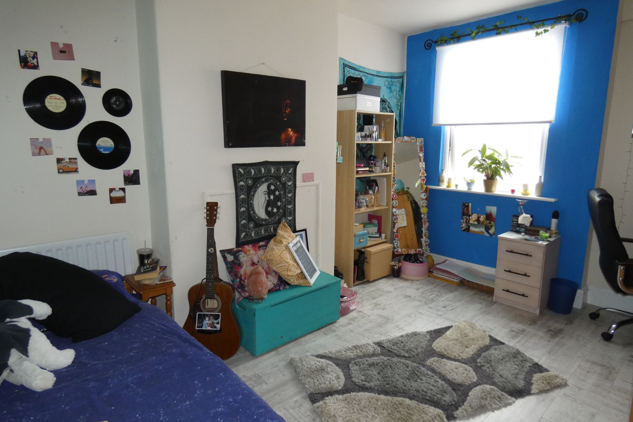 4 bedroom mid terraced house For Sale in Douglas - Property photograph