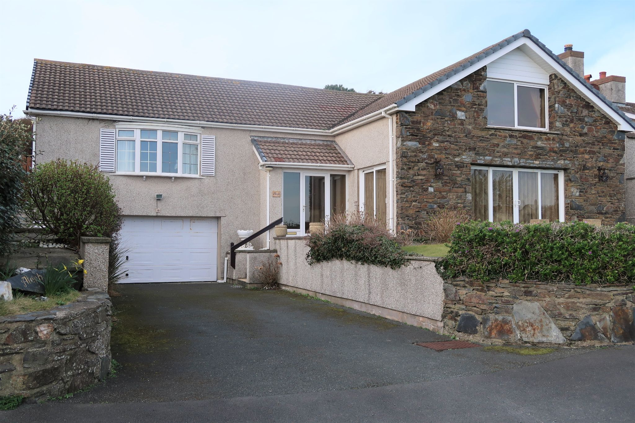 3 bedroom detached bungalow For Sale in Port St. Mary - Photograph 1