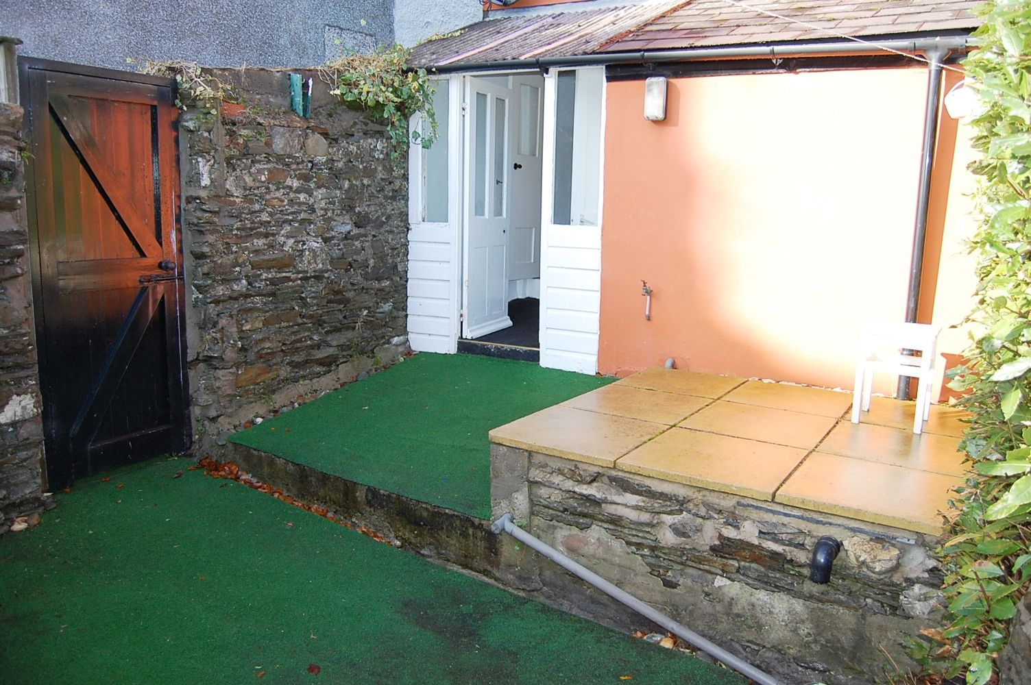 3 bedroom end terraced house To Let in Onchan - Property photograph