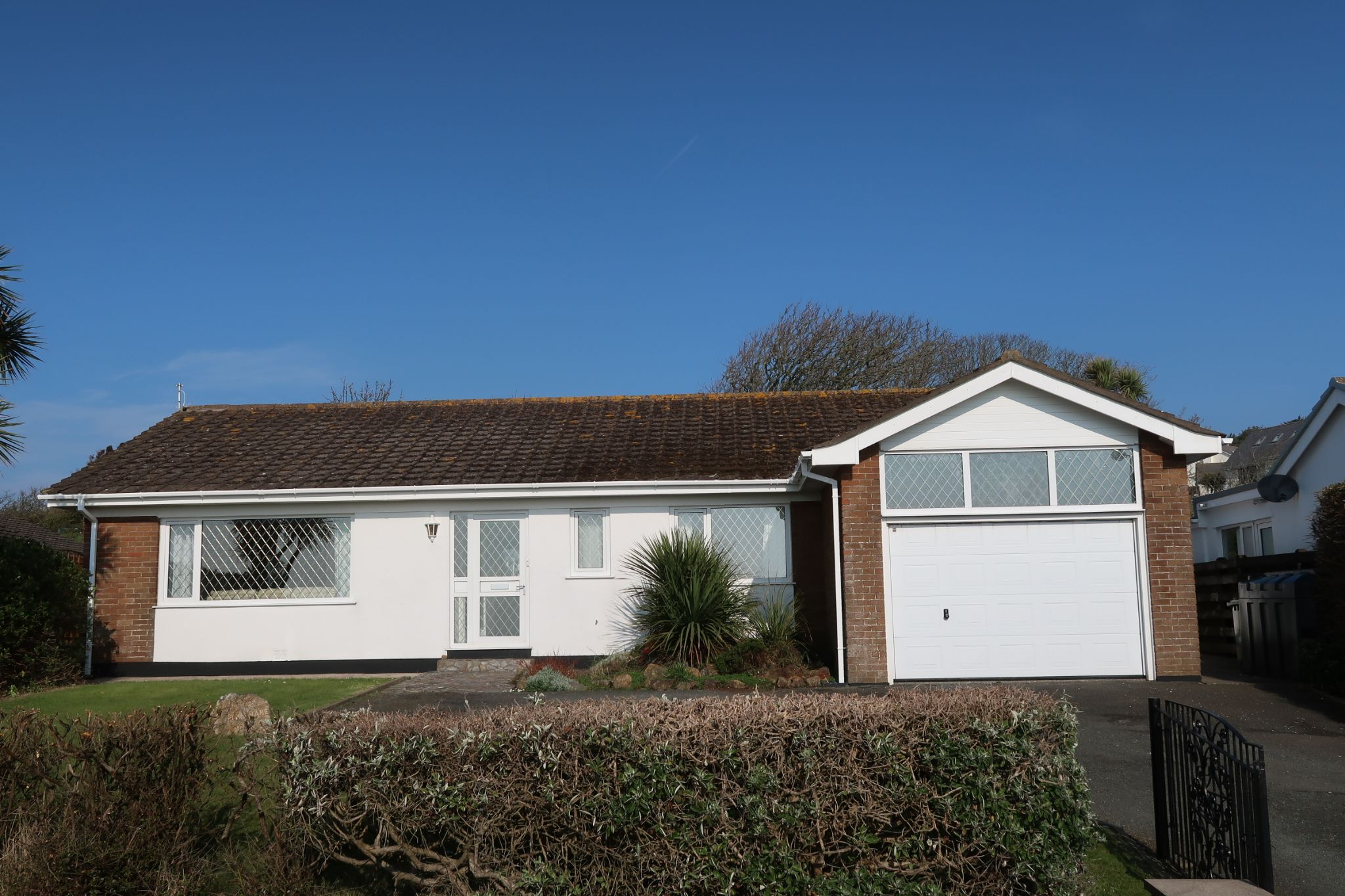 3 bedroom detached bungalow Sold in Port St. Mary - Photograph 1