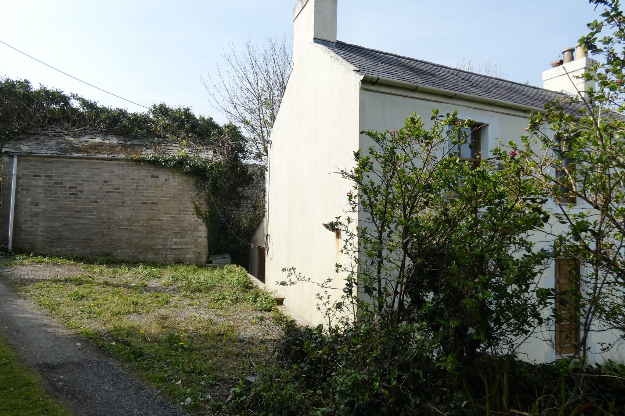 2 bedroom cottage house For Sale in Baldrine - Property photograph