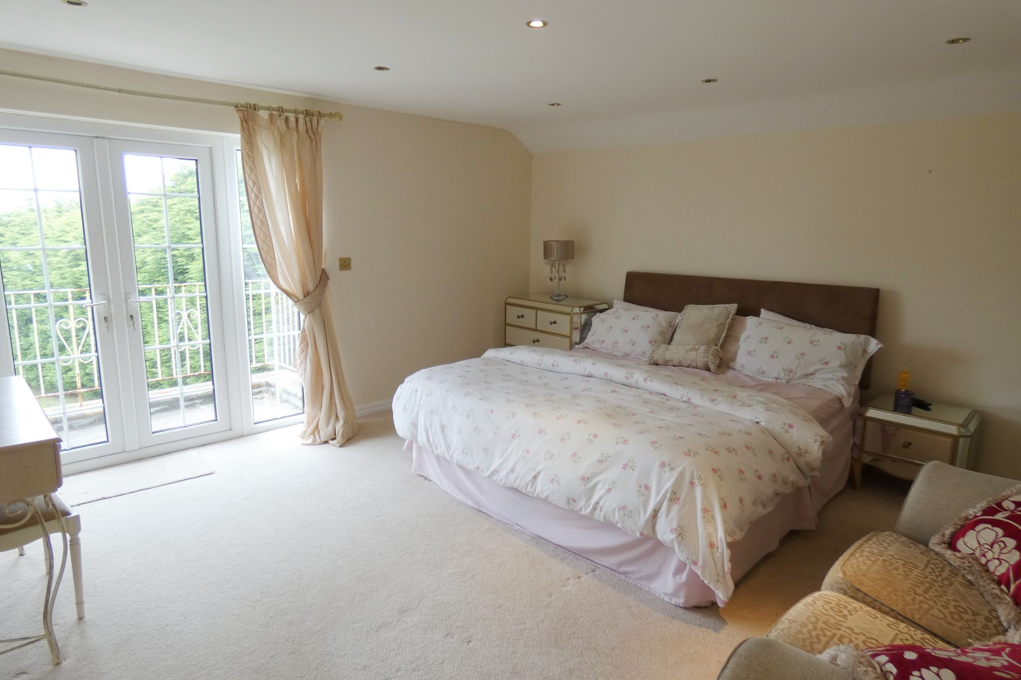 7 bedroom detached house For Sale in Laxey - Property photograph