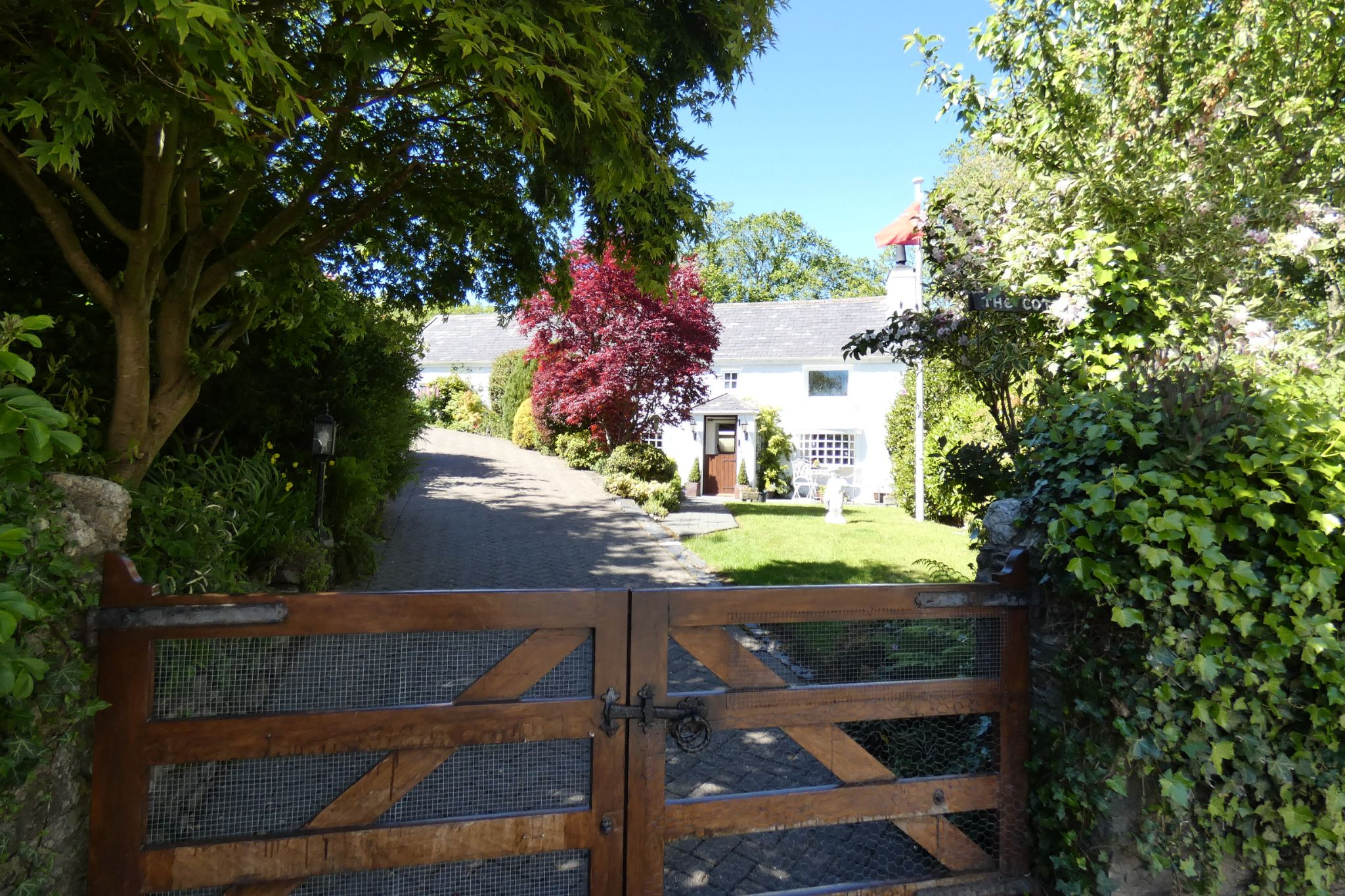 3 bedroom cottage house For Sale in West Baldwin - Property photograph