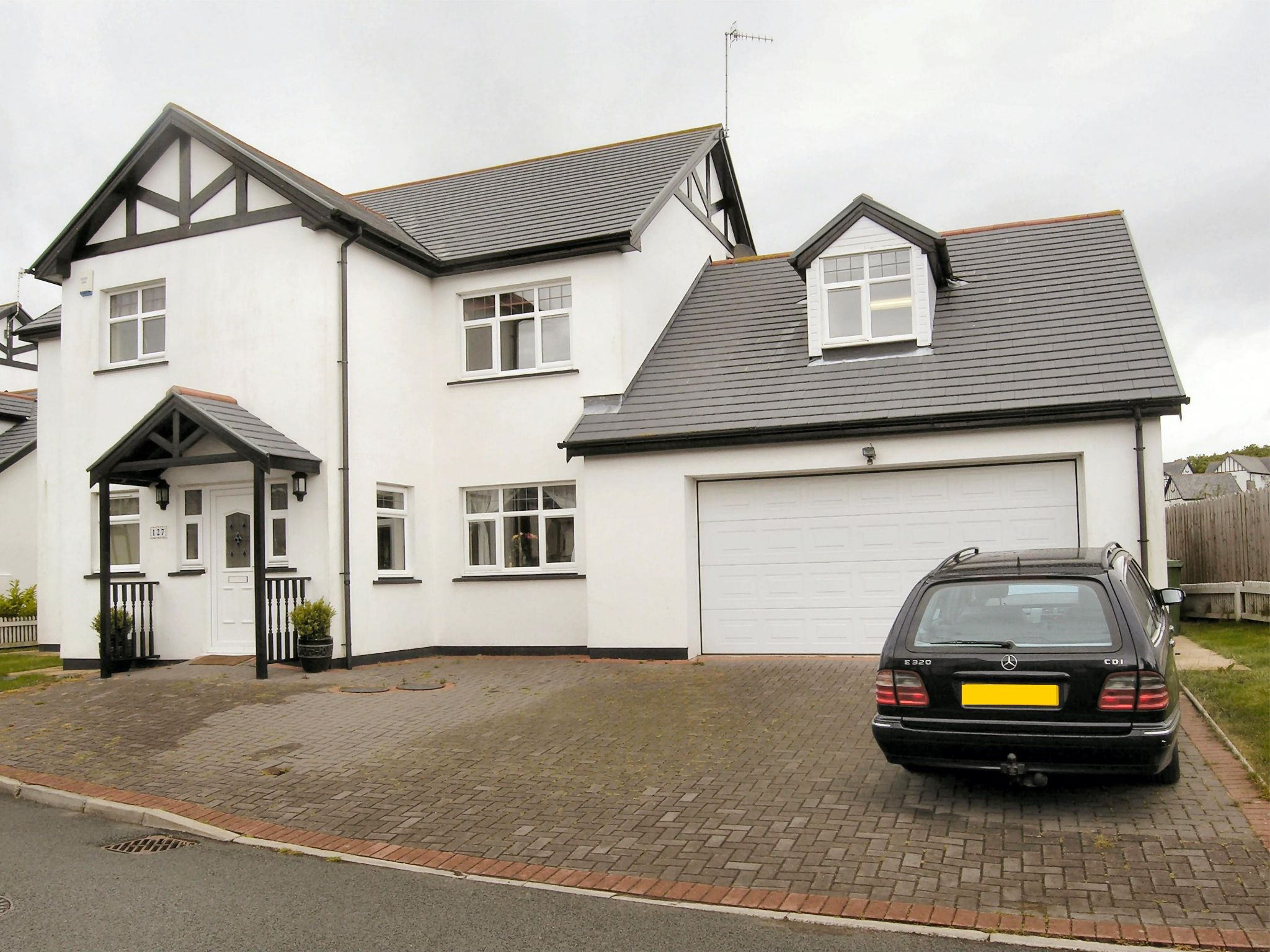 5 bedroom detached house Sale Agreed in Santon - Property photograph