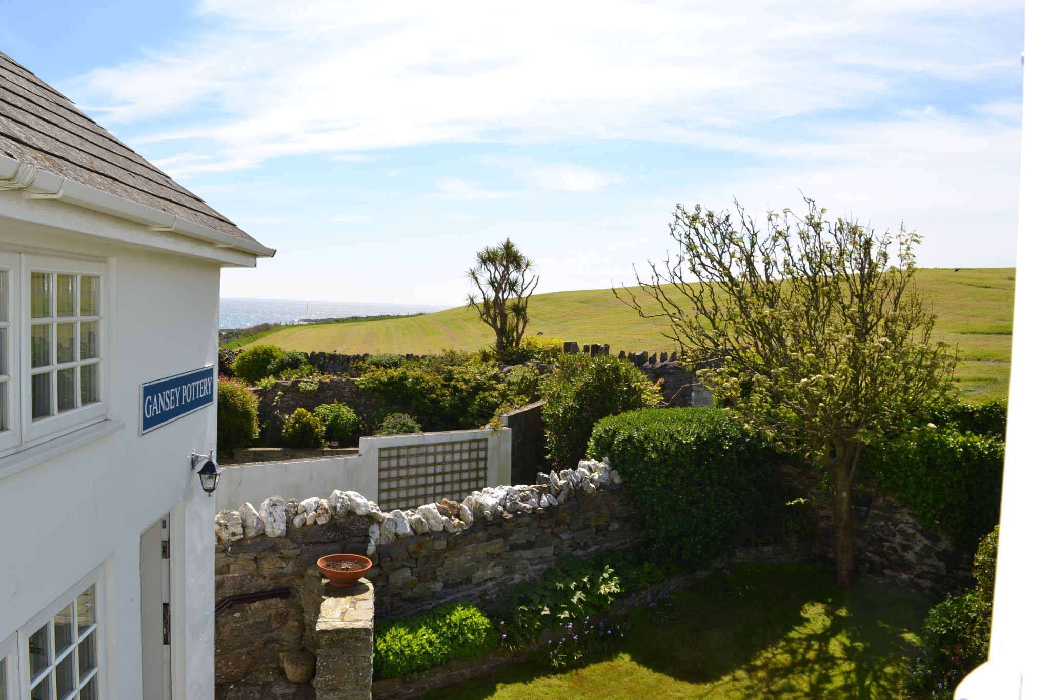 3 bedroom detached house To Let in Port St Mary - Property photograph