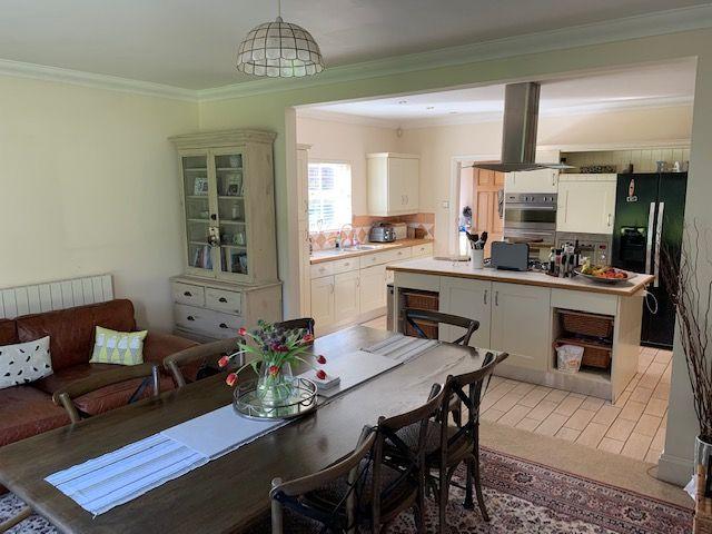 6 bedroom detached house To Let in Glen Vine - Property photograph