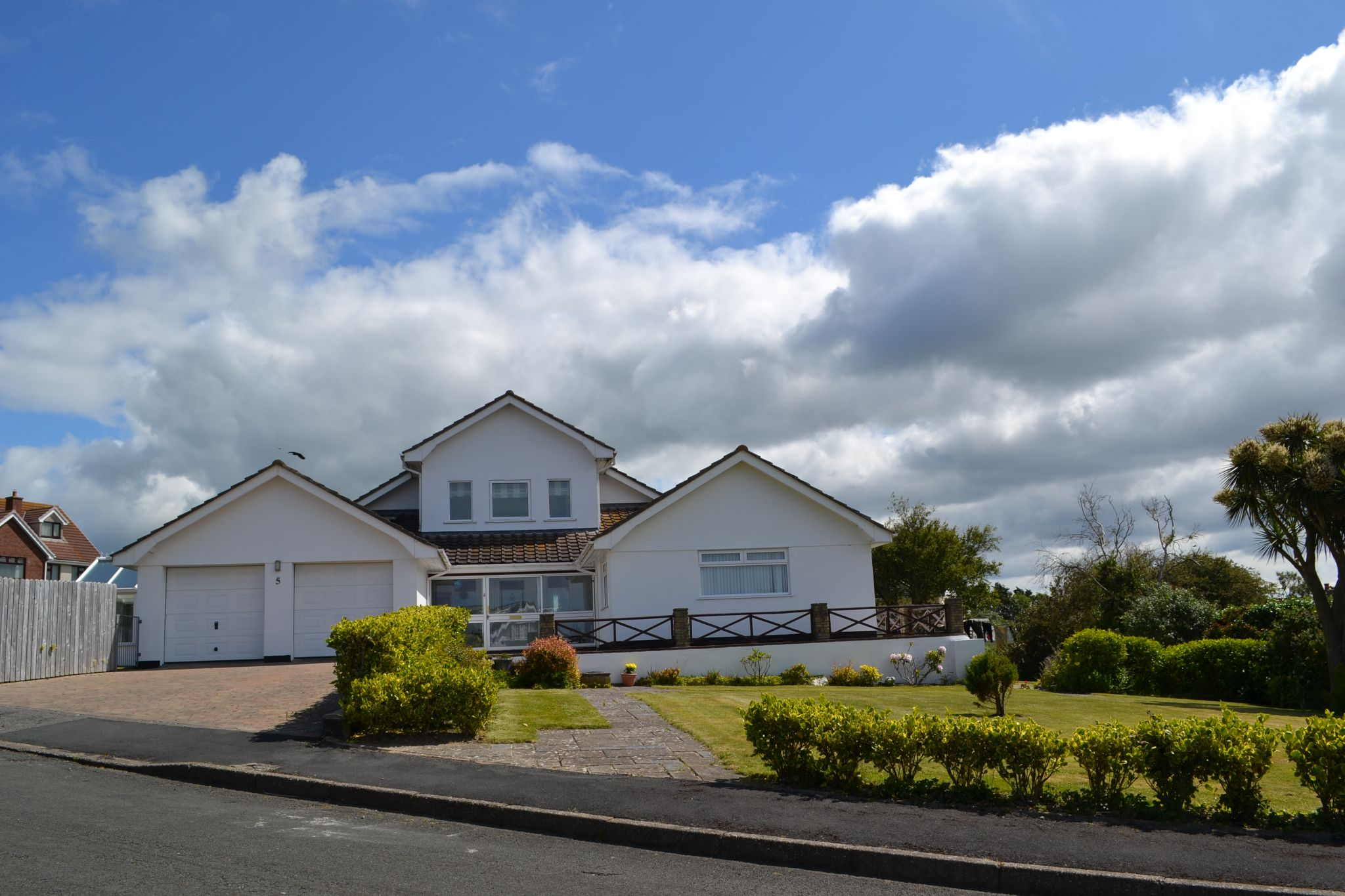 4 bedroom detached house For Sale in Colby - Photograph 2