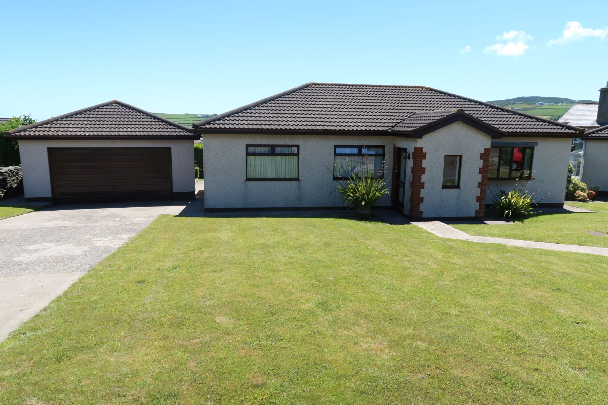 3 bedroom detached bungalow Sold in Port Erin - Photograph 1