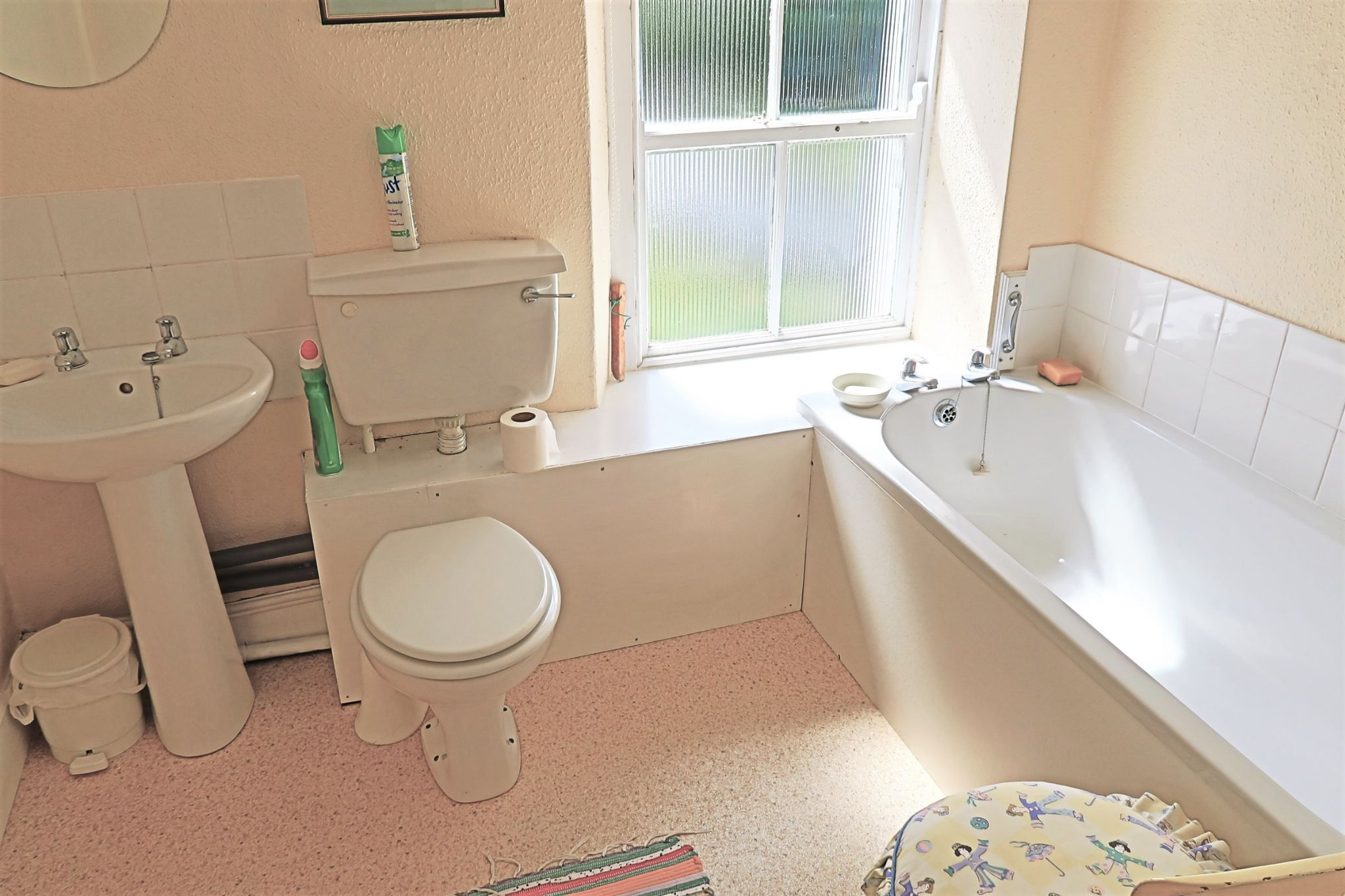 3 bedroom cottage house For Sale in Colby - Property photograph