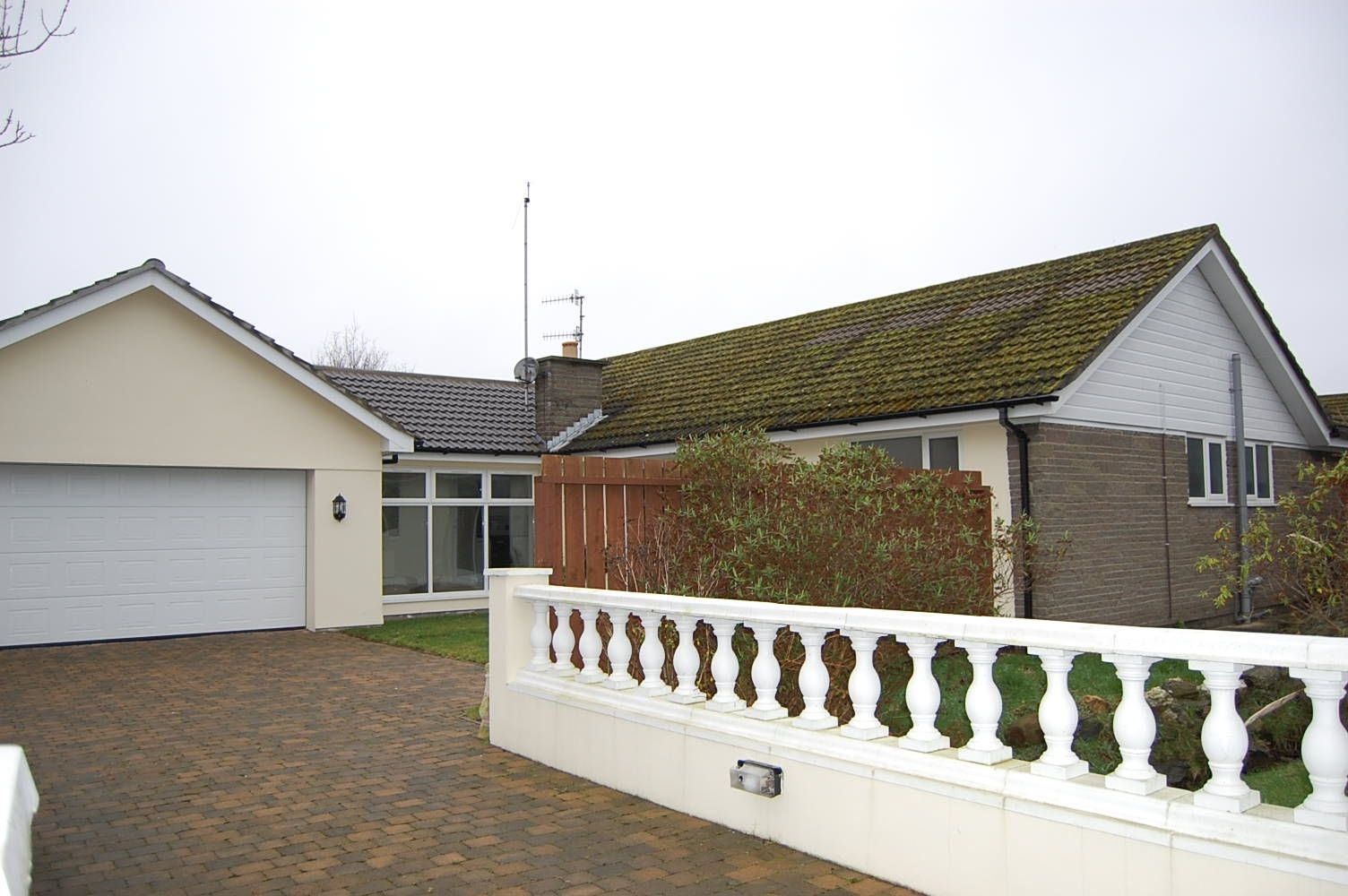 3 bedroom detached bungalow For Sale in Colby - Photograph 1