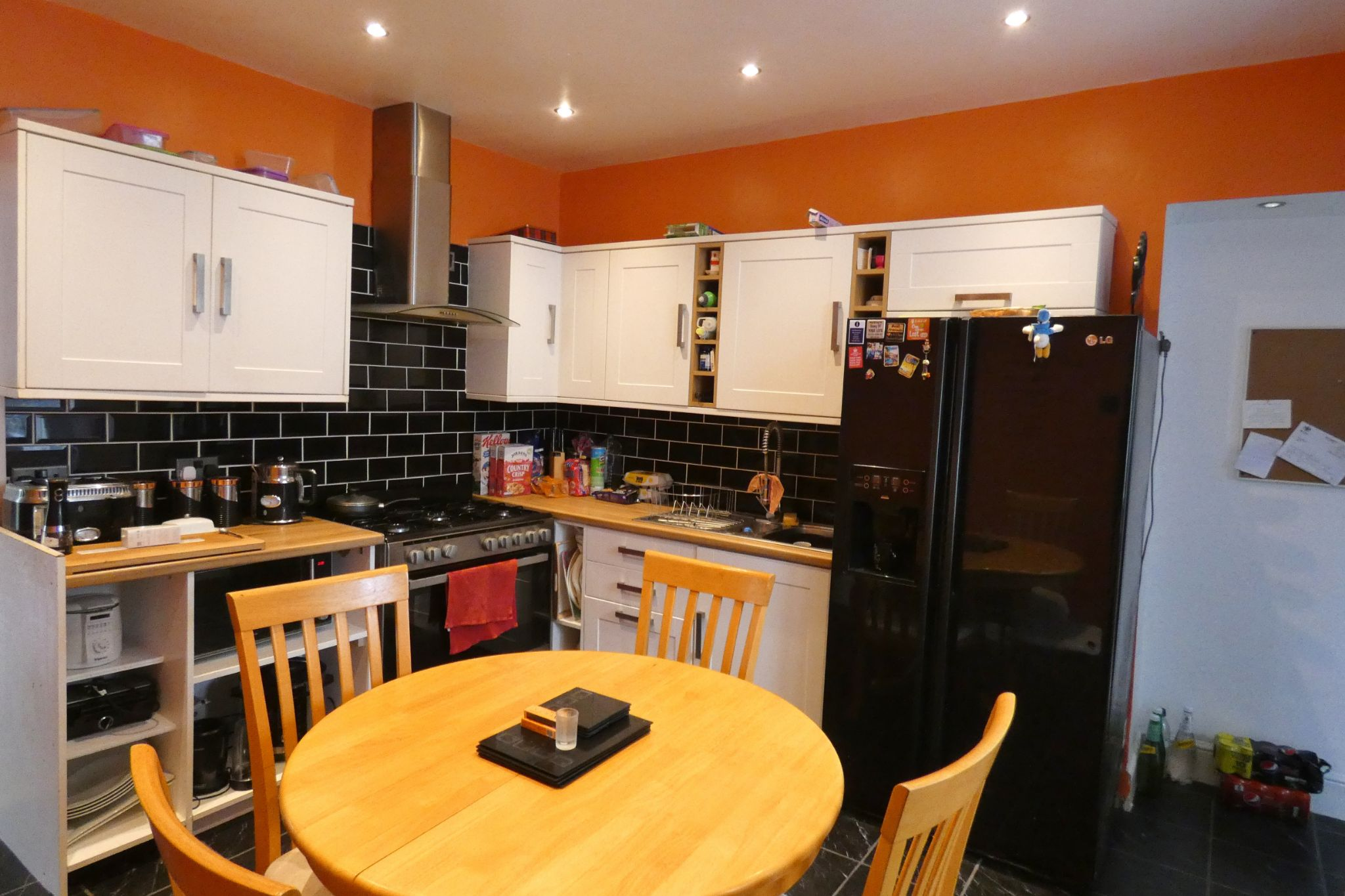 8 bedroom end terraced house For Sale in Douglas - Property photograph