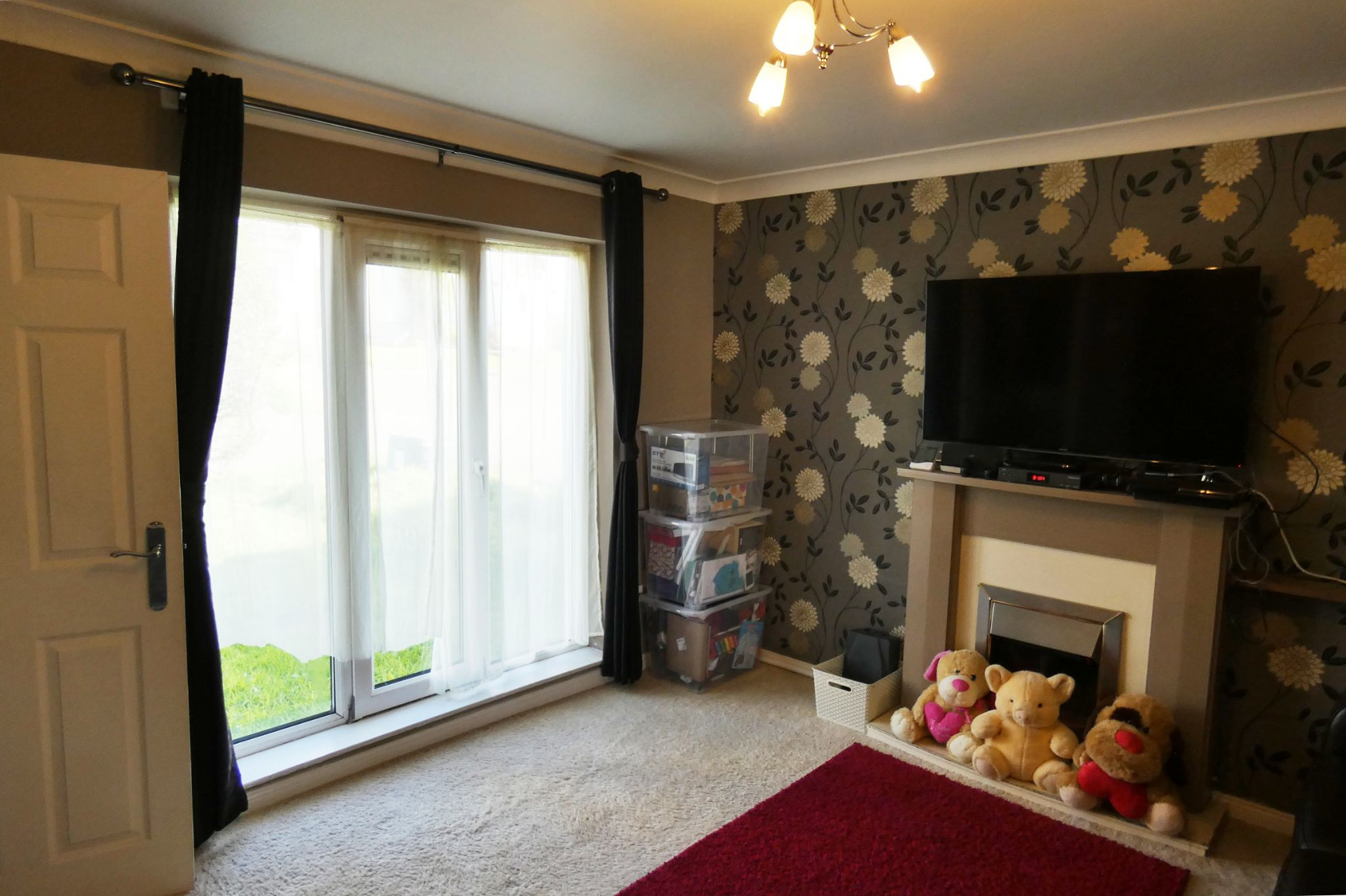 2 bedroom semi-detached house For Sale in Douglas - Property photograph