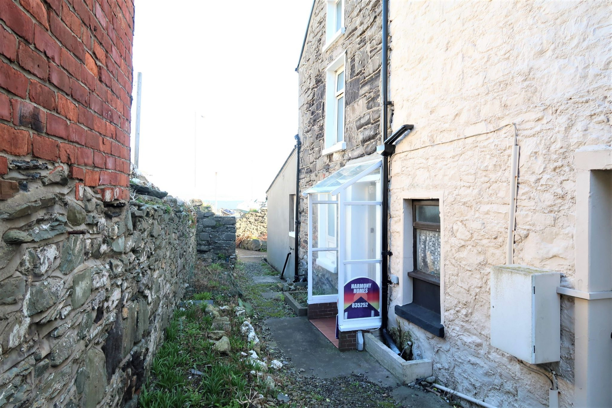 2 bedroom semi-detached house For Sale in Port St Mary - Property photograph