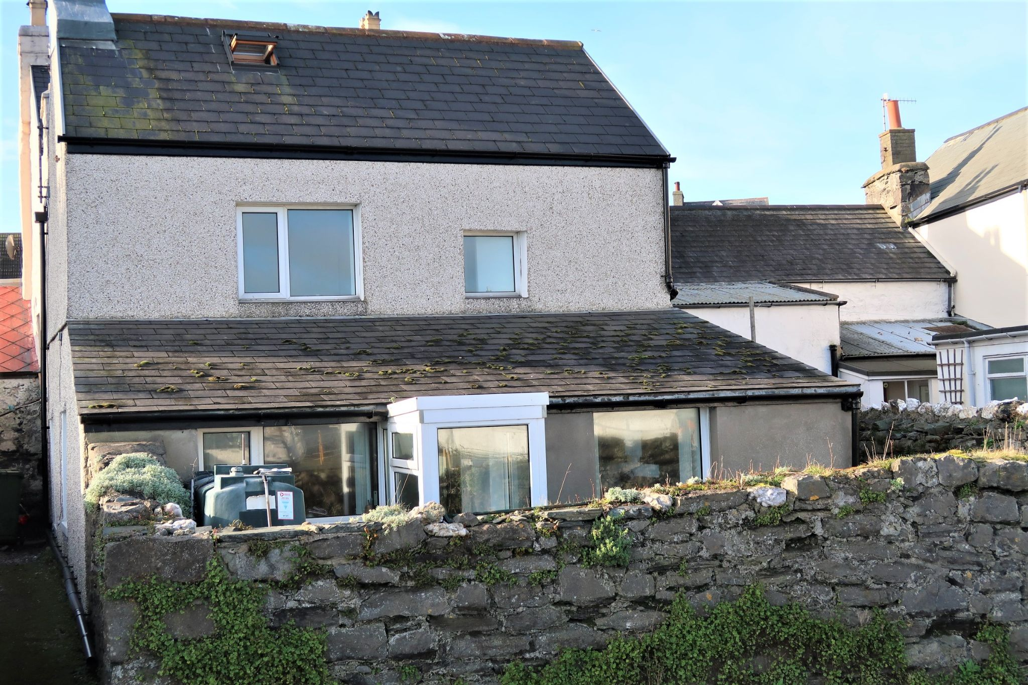 2 bedroom semi-detached house Sold in Port St Mary - Photograph 3