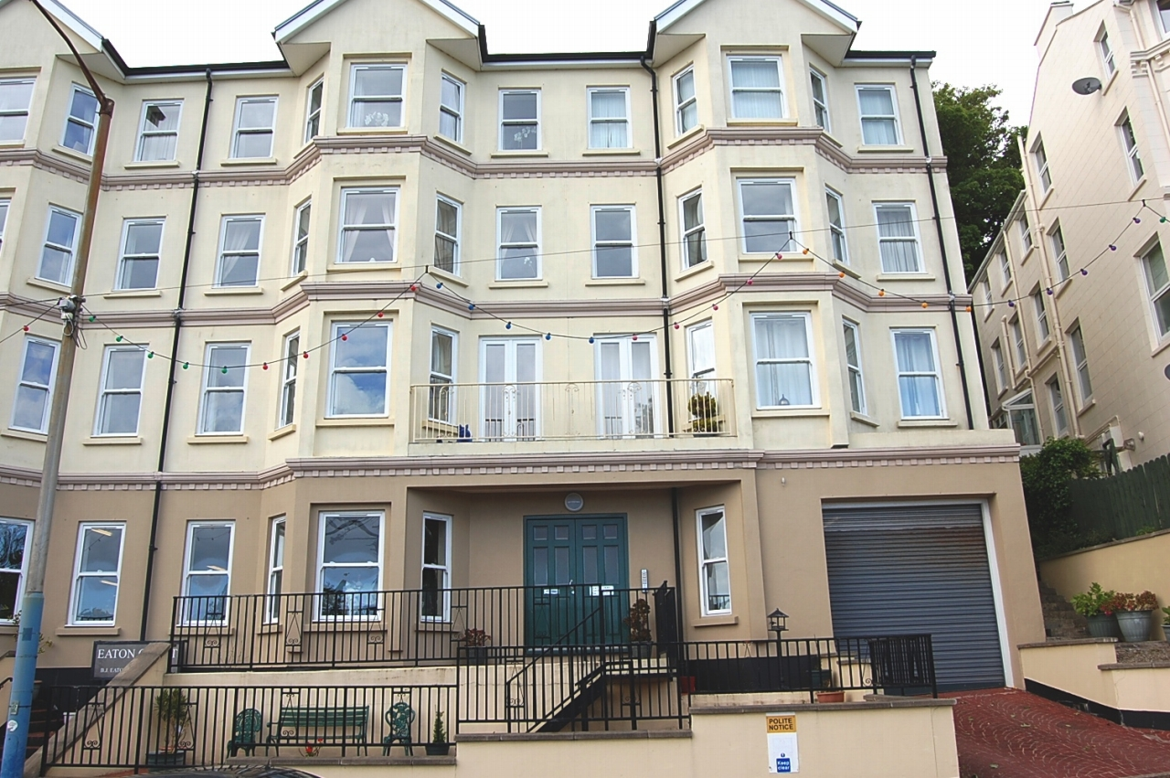 2 bedroom apartment flat/apartment To Let in Douglas - Photograph 1