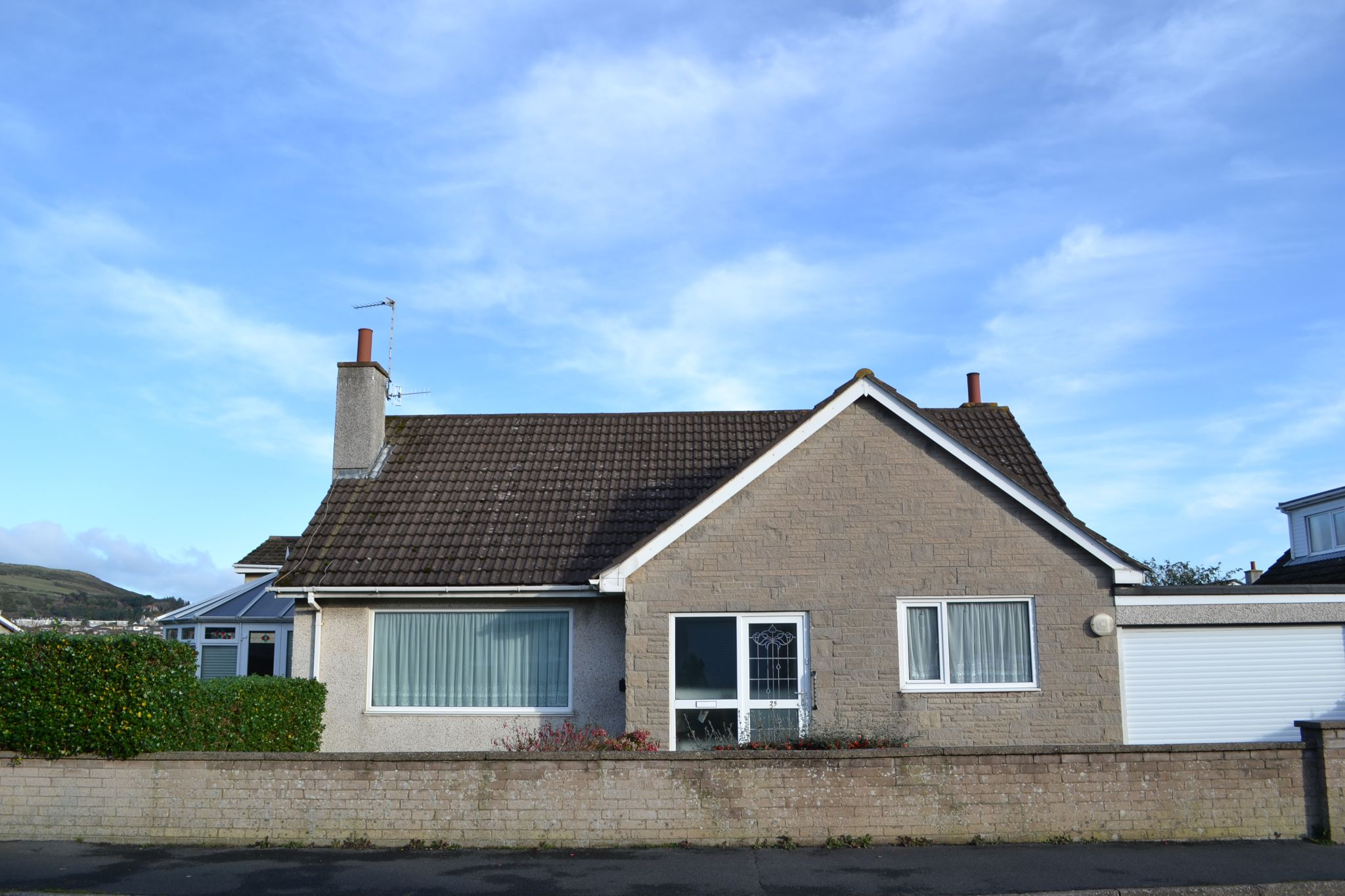 3 bedroom detached bungalow For Sale in Port Erin - Photograph 2