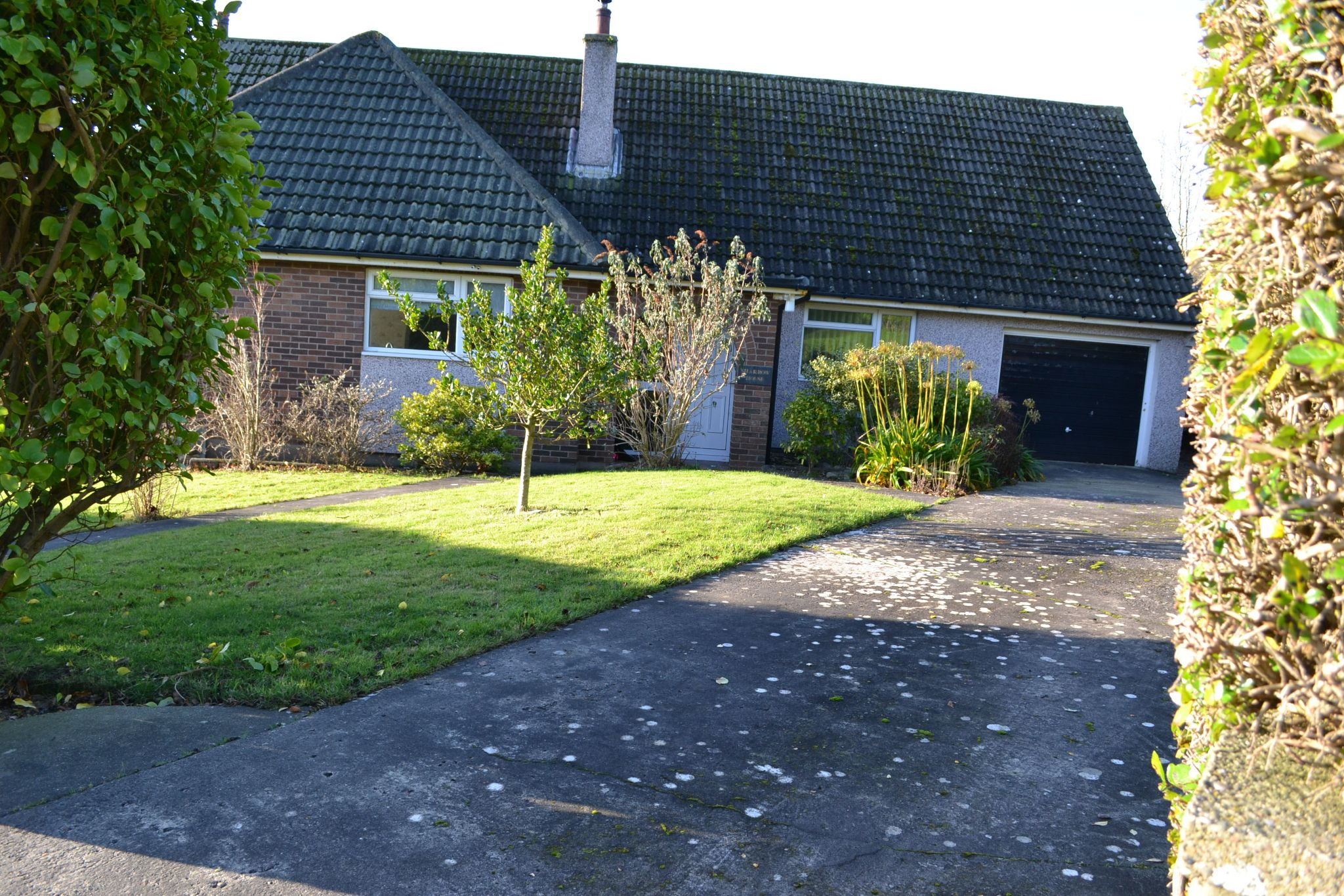 4 bedroom detached bungalow For Sale in Port Erin - Photograph 1
