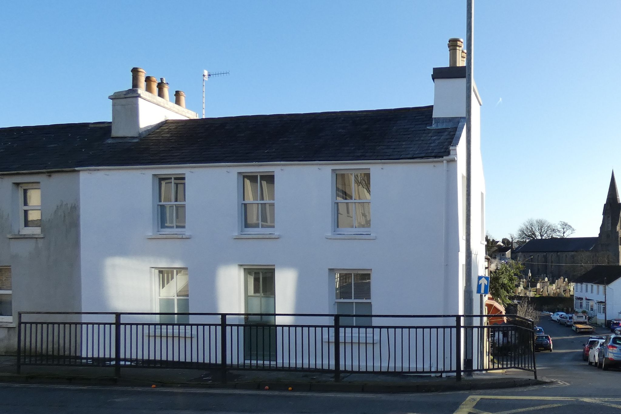 2 bedroom semi-detached house Let Agreed in Onchan - Photograph 1