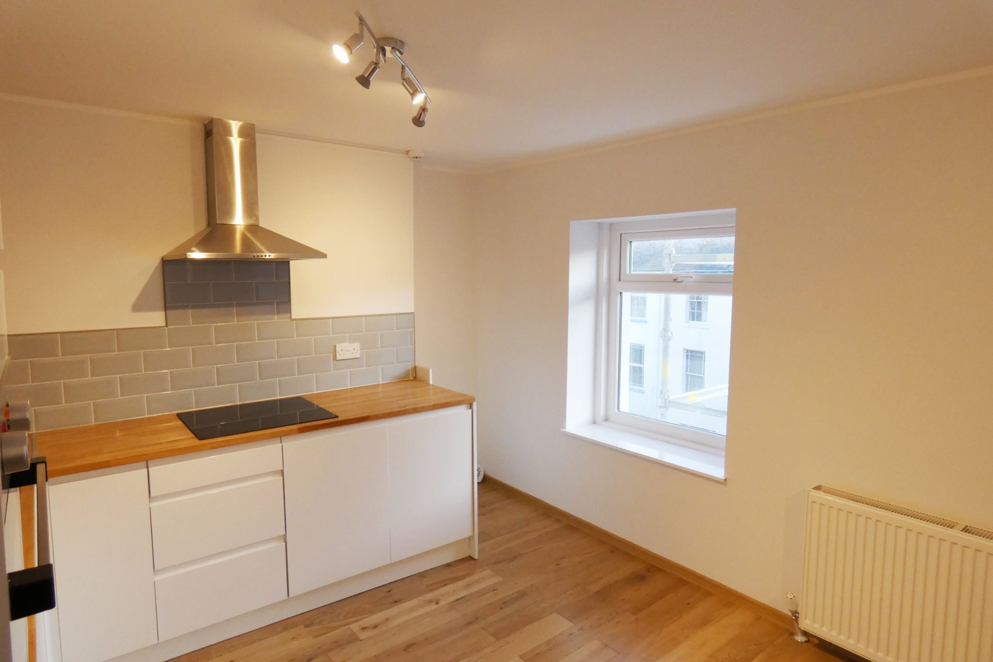 1 bedroom flat flat/apartment SSTC in Douglas - Photograph 4