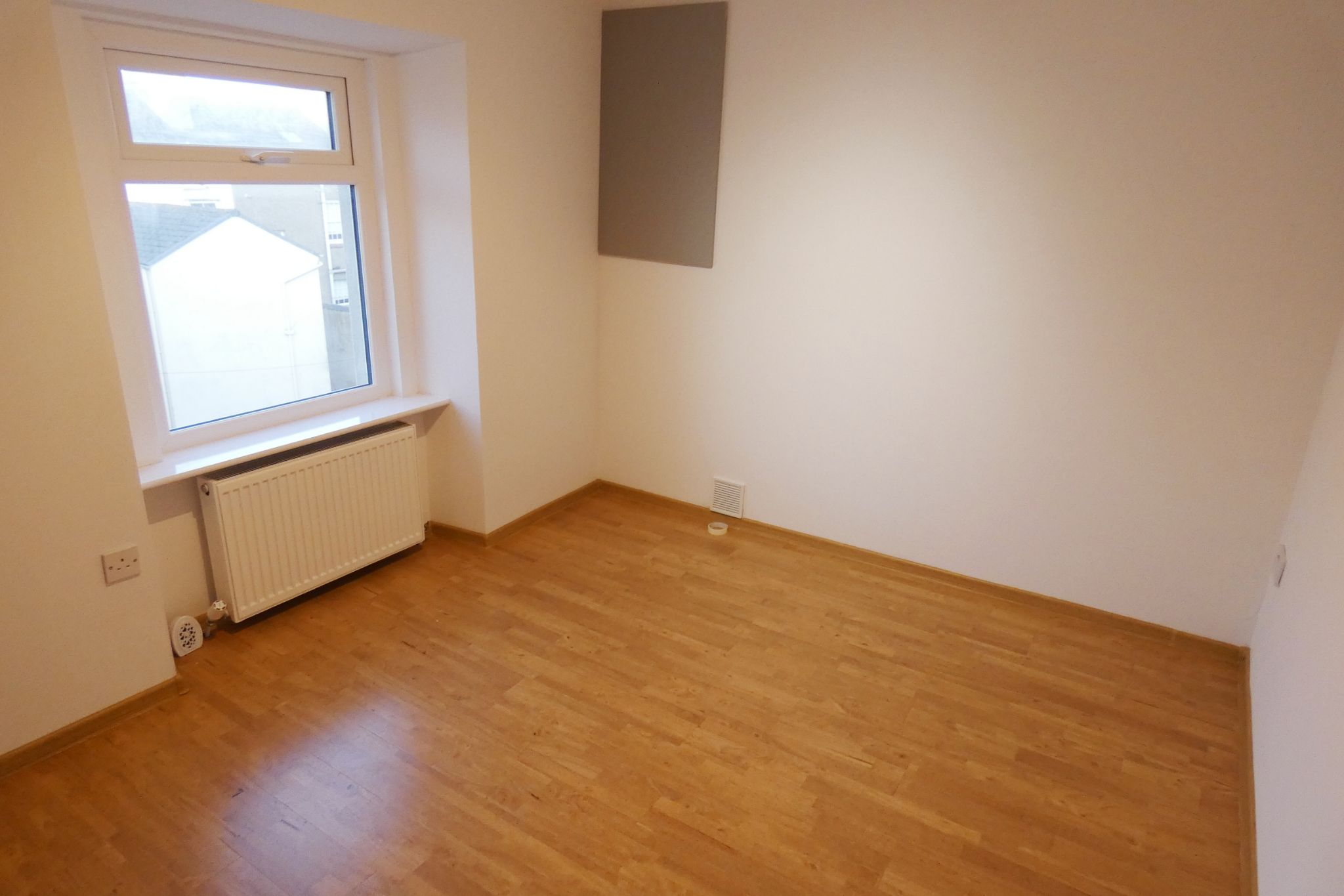 1 bedroom flat flat/apartment SSTC in Douglas - Photograph 6