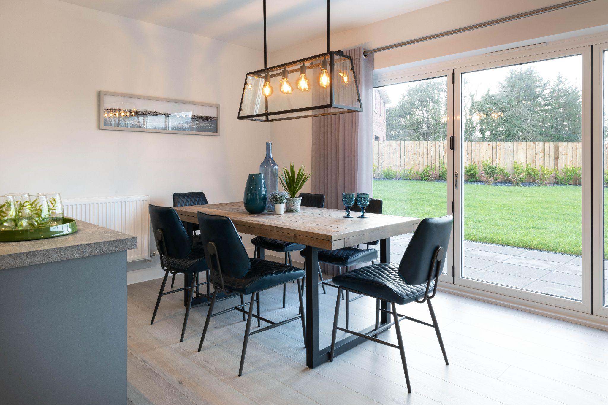 5 bedroom detached house For Sale in Glen Vine - Property photograph