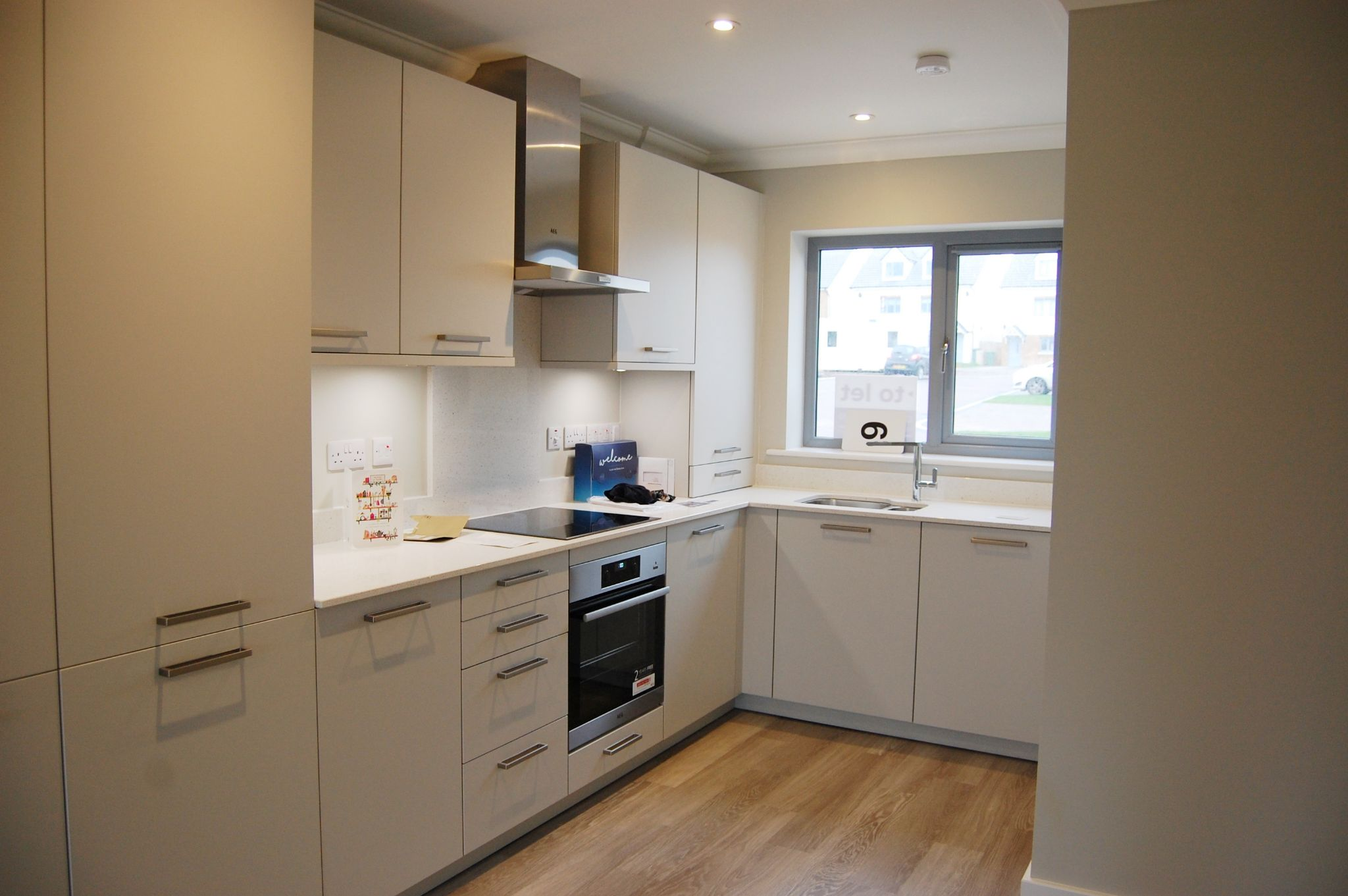 3 bedroom semi-detached house To Let in Peel - Property photograph