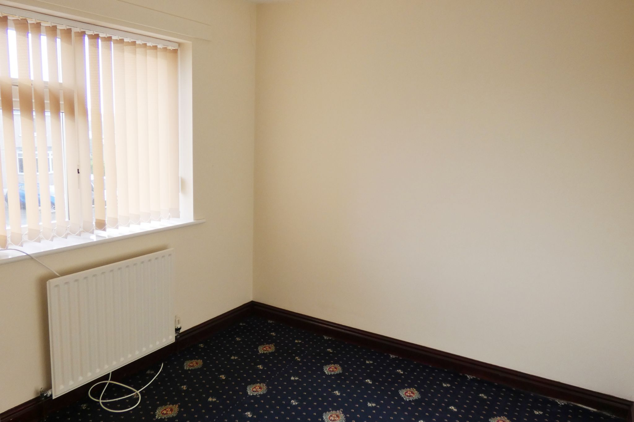 4 bedroom semi-detached house To Let in Onchan - Property photograph