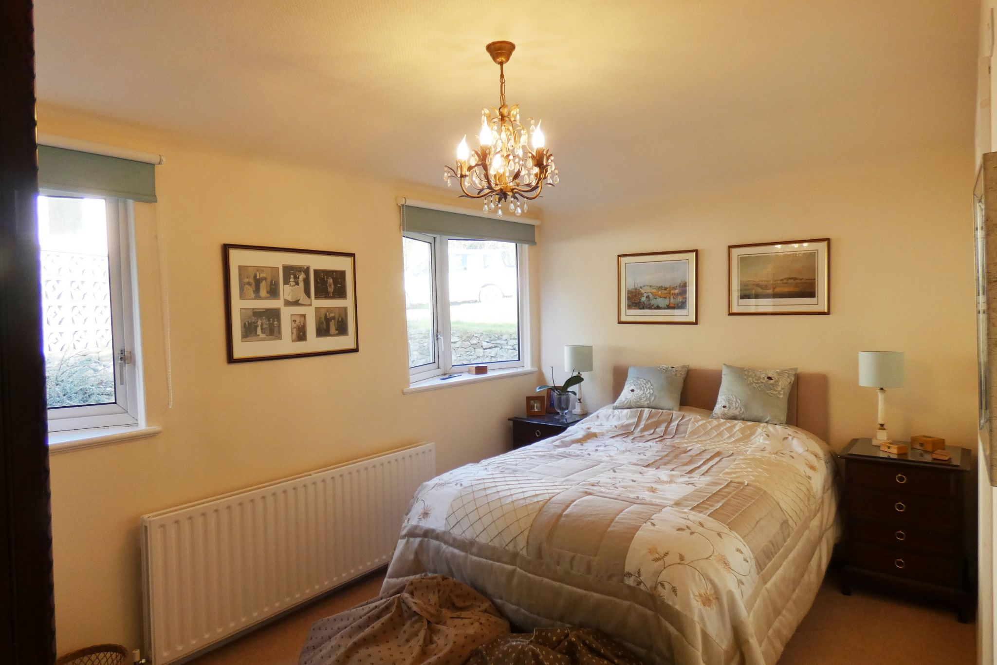 5 bedroom detached bungalow For Sale in Onchan - Property photograph