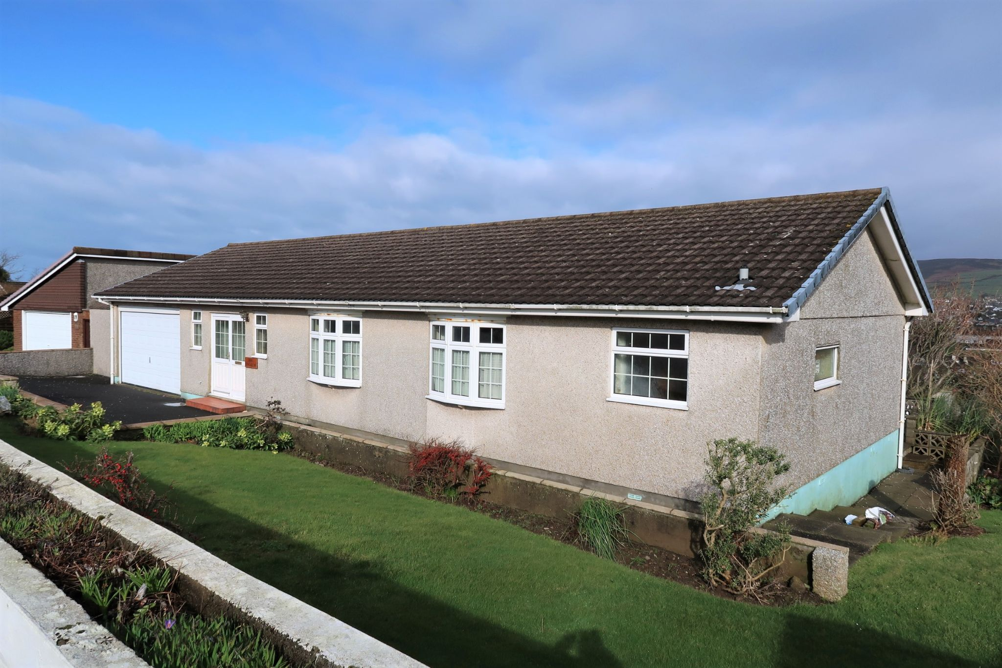 4 bedroom detached bungalow Sold in Port Erin - Photograph 8