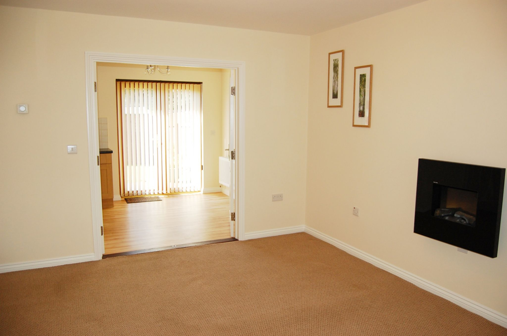 2 bedroom mews house Under Offer in Peel - Property photograph