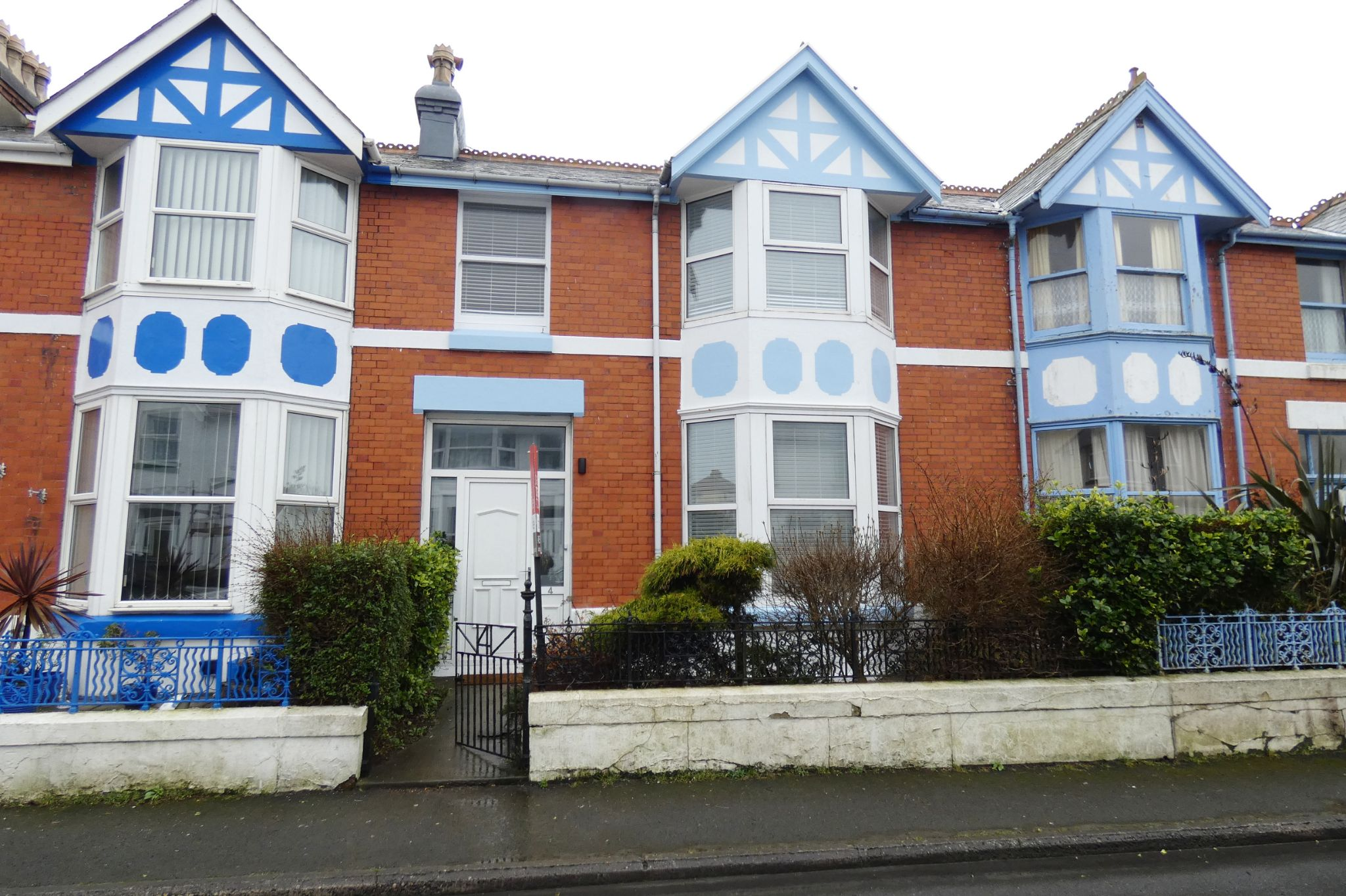 3 bedroom mid terraced house Sale Agreed in Onchan - Property photograph