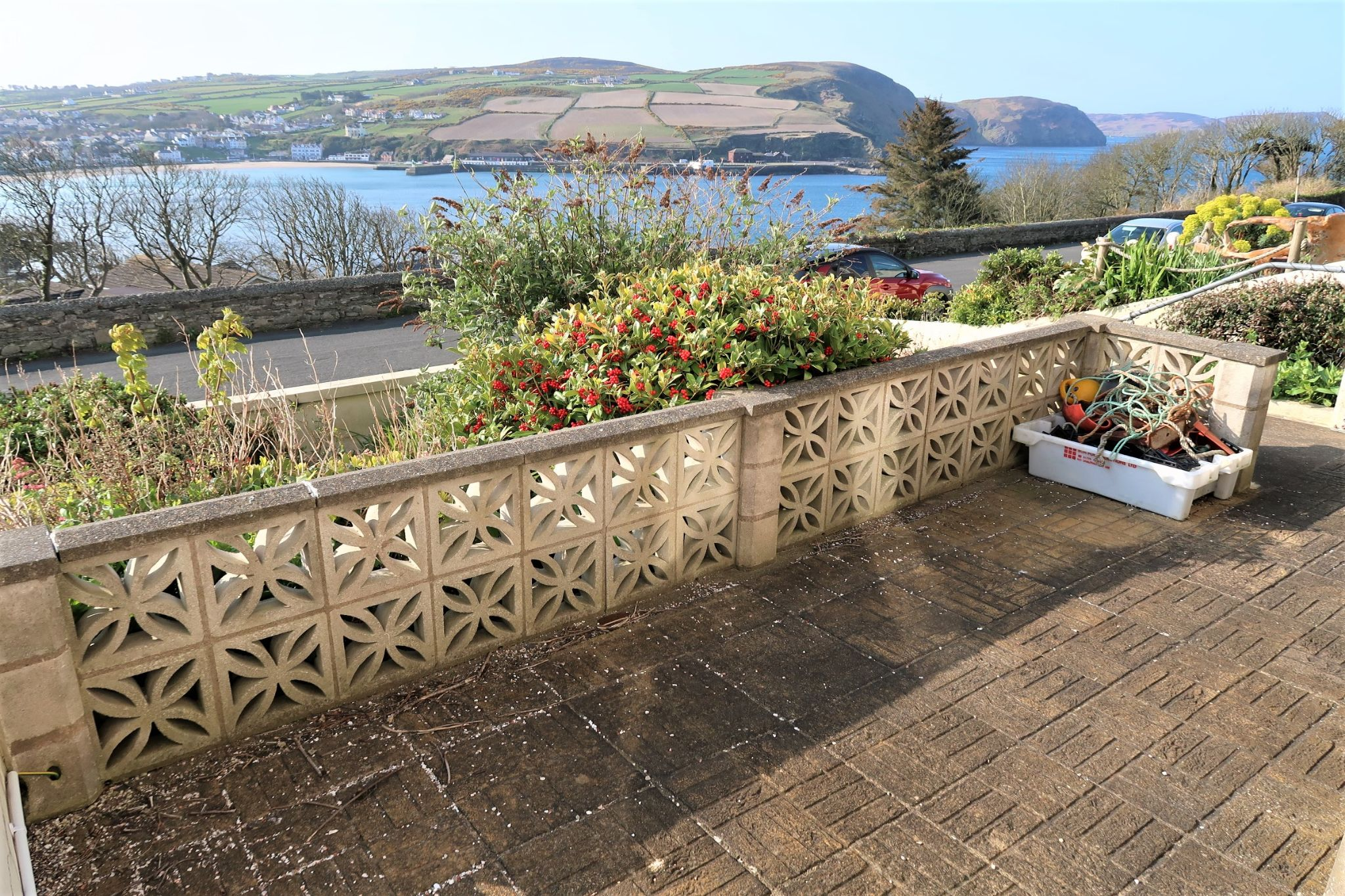 4 bedroom semi-detached house Under Offer in Port Erin - Property photograph