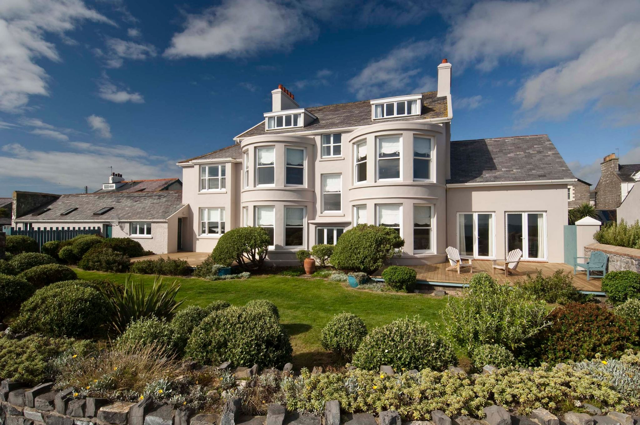 6 bedroom detached house For Sale in Castletown - Photograph 2