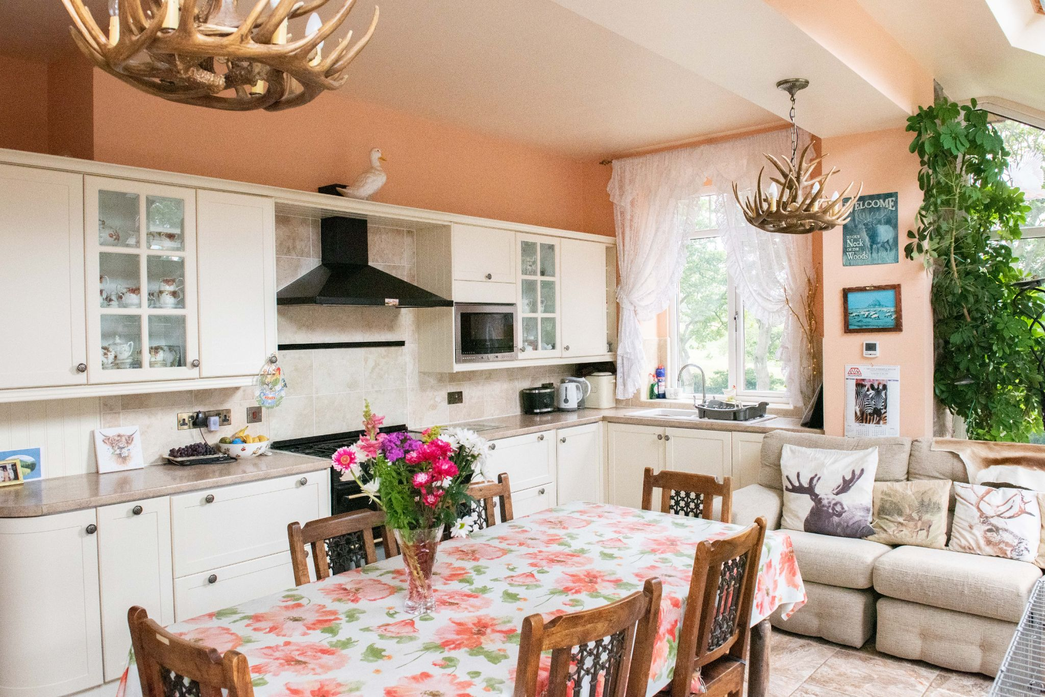 4 bedroom detached house For Sale in Peel - Property photograph