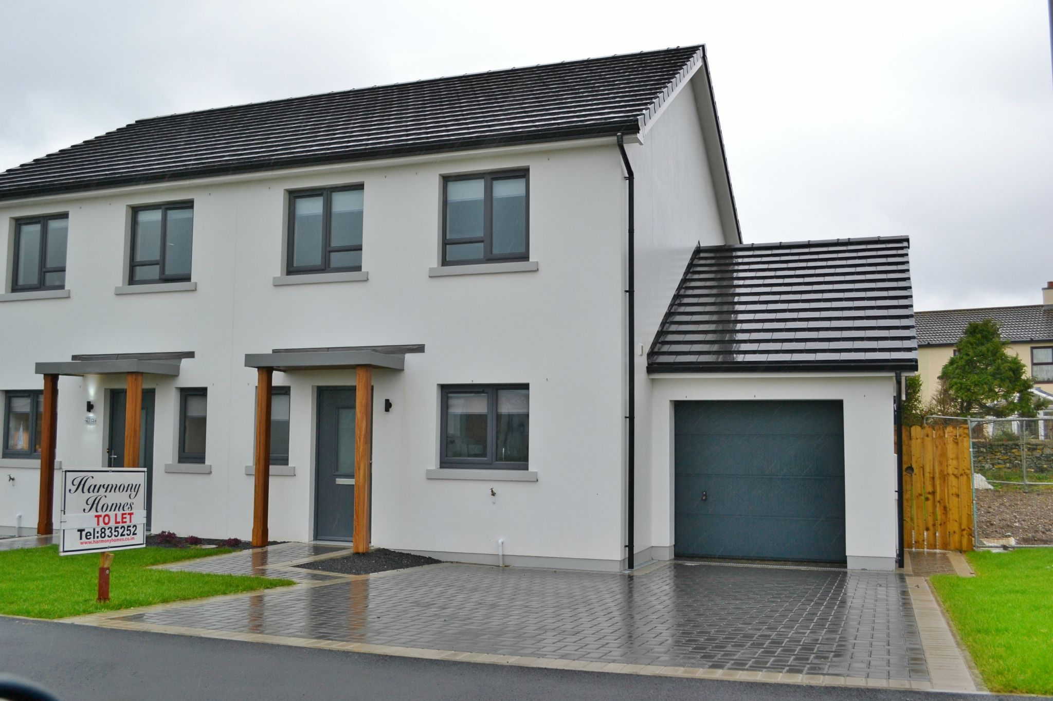 3 bedroom semi-detached house To Let in Port St Mary - Photograph 1