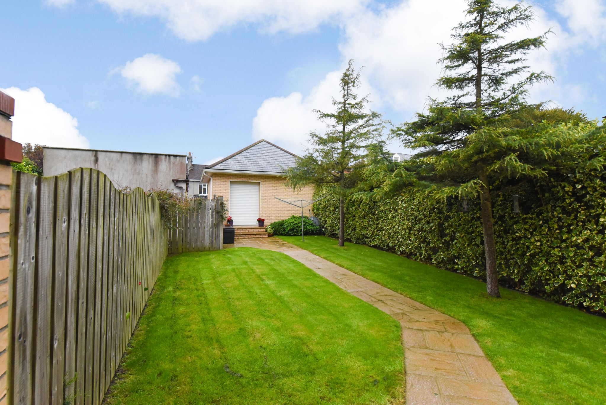 4 bedroom end terraced house For Sale in Douglas - Property photograph