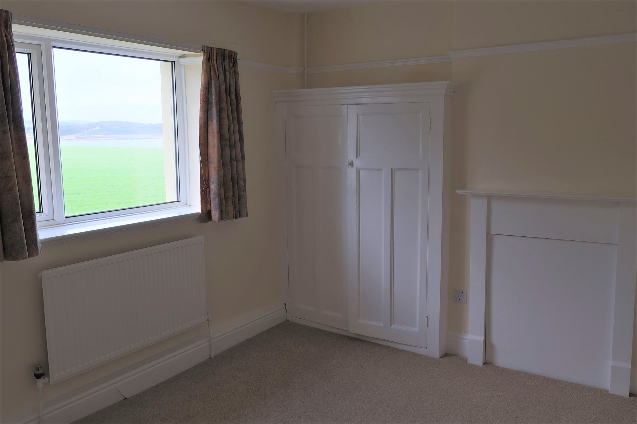 3 bedroom semi-detached house Let in Port St. Mary - Property photograph
