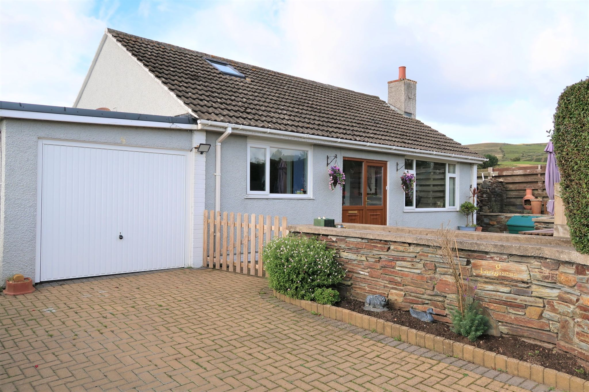 2 bedroom detached bungalow For Sale in Port Erin - Photograph 1
