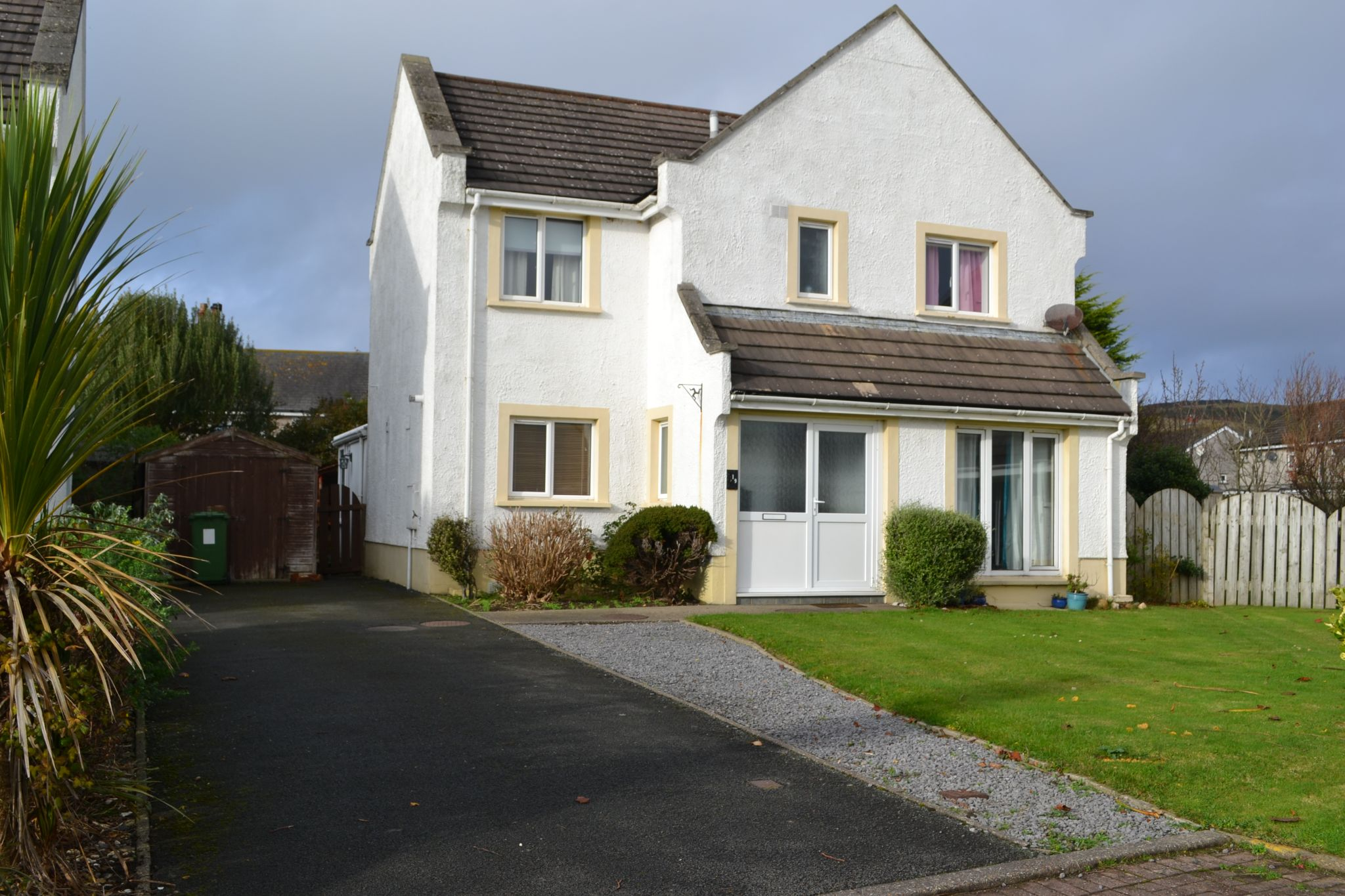 3 bedroom detached house SSTC in Port Erin - Photograph 2