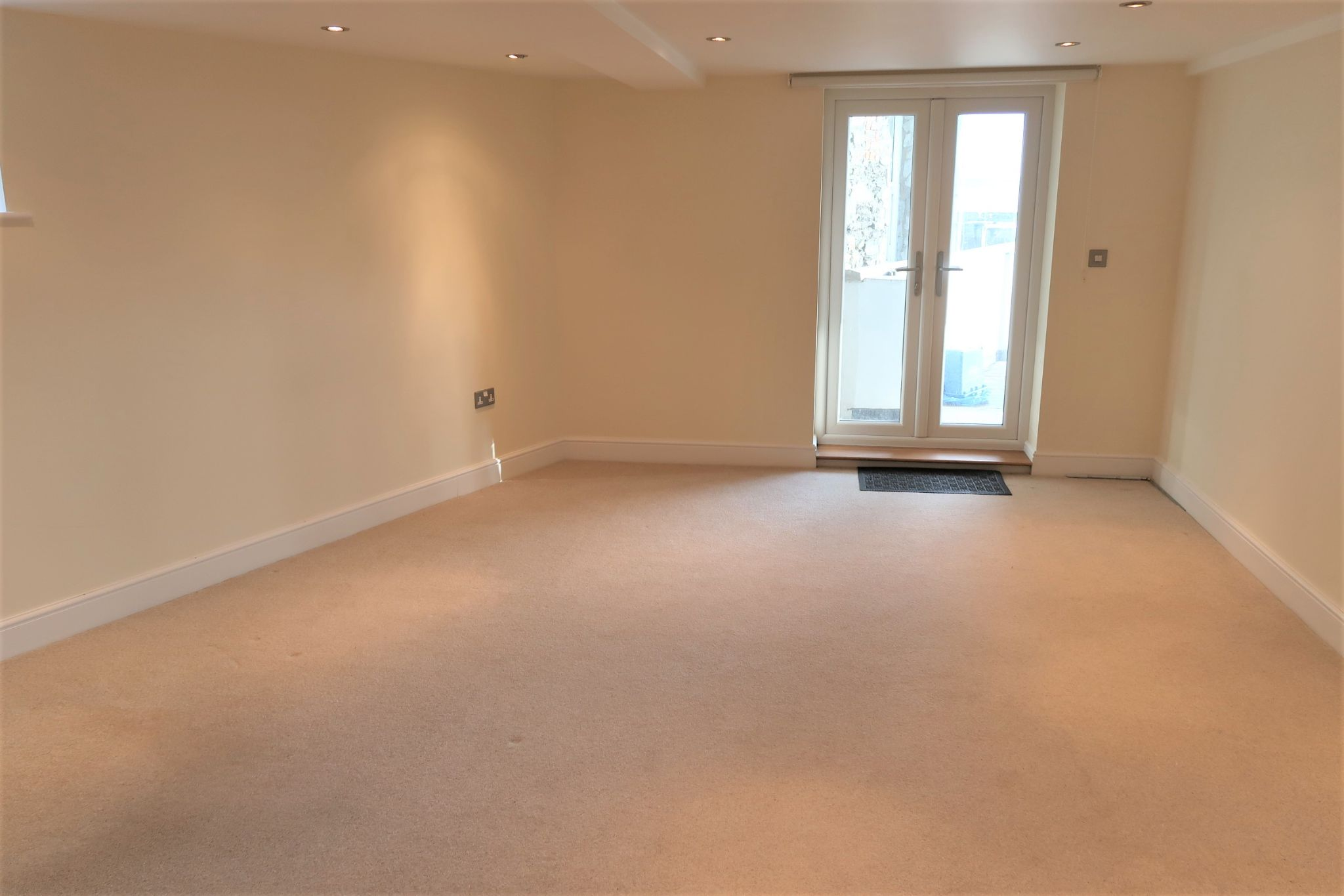 4 bedroom mid terraced house For Sale in Port St Mary - Property photograph