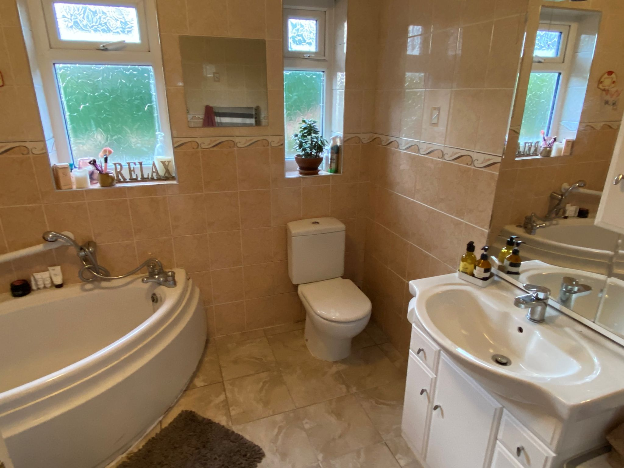 3 bedroom detached bungalow Sale Agreed in Onchan - Property photograph
