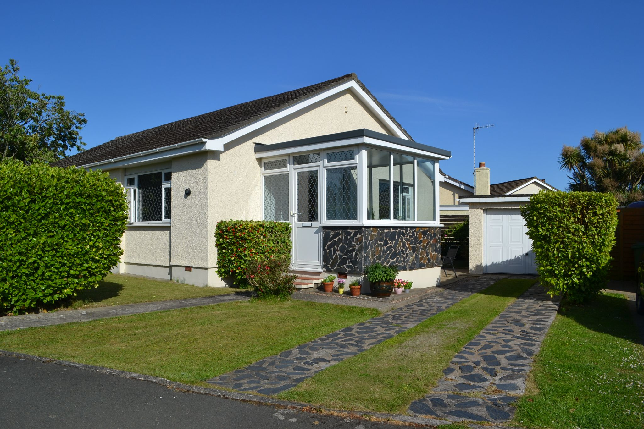 3 bedroom detached bungalow For Sale in Ballasalla - Photograph 2