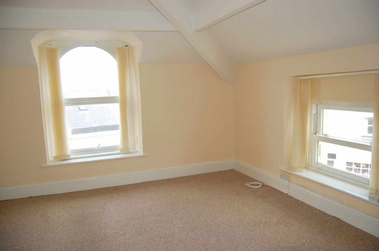 1 bedroom apartment flat/apartment To Let in Peel - Property photograph
