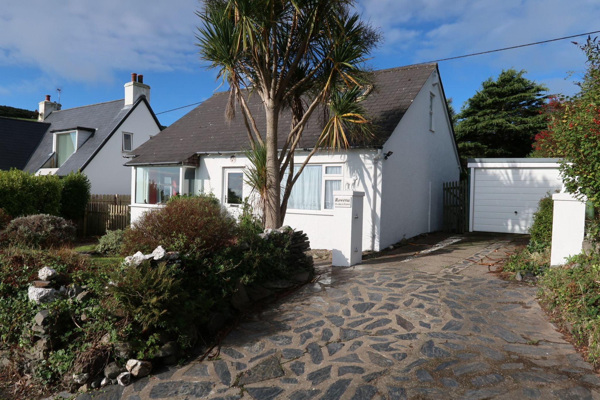 3 bedroom detached bungalow SSTC in Port St Mary - Photograph 1
