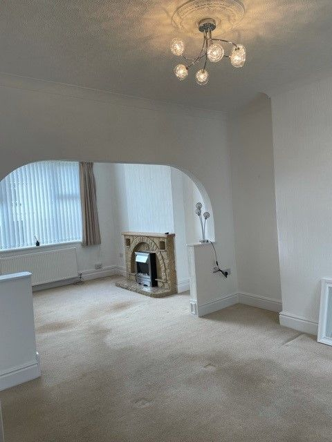 3 bedroom mid terraced house Let in Onchan - Property photograph