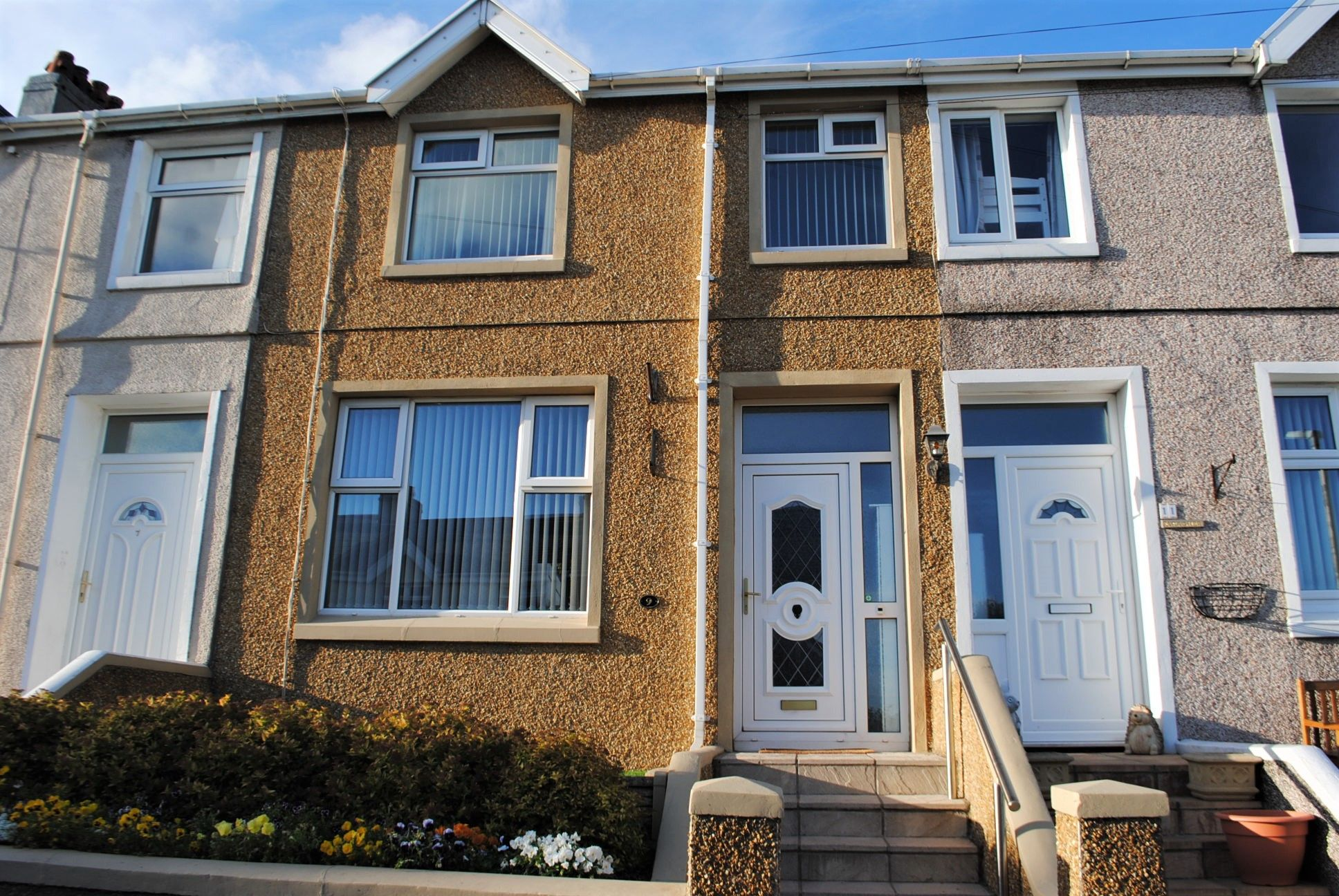 3 bedroom mid terraced house Let in Onchan - Photograph 1
